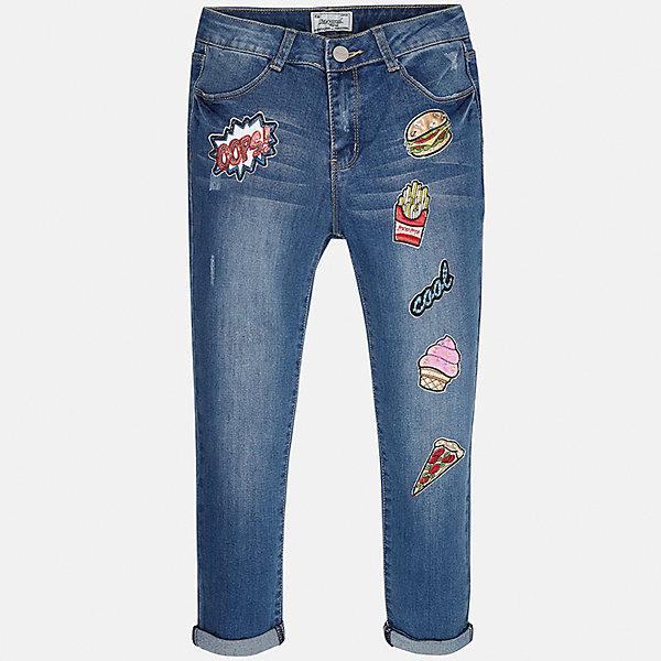 Брюки для девочки MayoralДжинсовая одежда<br>Характеристики товара:<br><br>• цвет: синий<br>• состав: 69% хлопок, 29% полиэстер, 2% эластан<br>• нашивки<br>• карманы<br>• пояс с регулировкой объема<br>• шлевки<br>• страна бренда: Испания<br><br>Стильные джинсы для девочки смогут разнообразить гардероб ребенка и украсить наряд. Они отлично сочетаются с майками, футболками, блузками. Красивый оттенок позволяет подобрать к вещи верх разных расцветок. Интересный крой модели делает её нарядной и оригинальной. В составе материала - натуральный хлопок, гипоаллергенный, приятный на ощупь, дышащий.<br><br>Одежда, обувь и аксессуары от испанского бренда Mayoral полюбились детям и взрослым по всему миру. Модели этой марки - стильные и удобные. Для их производства используются только безопасные, качественные материалы и фурнитура. Порадуйте ребенка модными и красивыми вещами от Mayoral! <br><br>Джинсы для девочки от испанского бренда Mayoral (Майорал) можно купить в нашем интернет-магазине.<br><br>Ширина мм: 215<br>Глубина мм: 88<br>Высота мм: 191<br>Вес г: 336<br>Цвет: голубой<br>Возраст от месяцев: 132<br>Возраст до месяцев: 144<br>Пол: Женский<br>Возраст: Детский<br>Размер: 152,128/134,170,164,158,140<br>SKU: 5293027