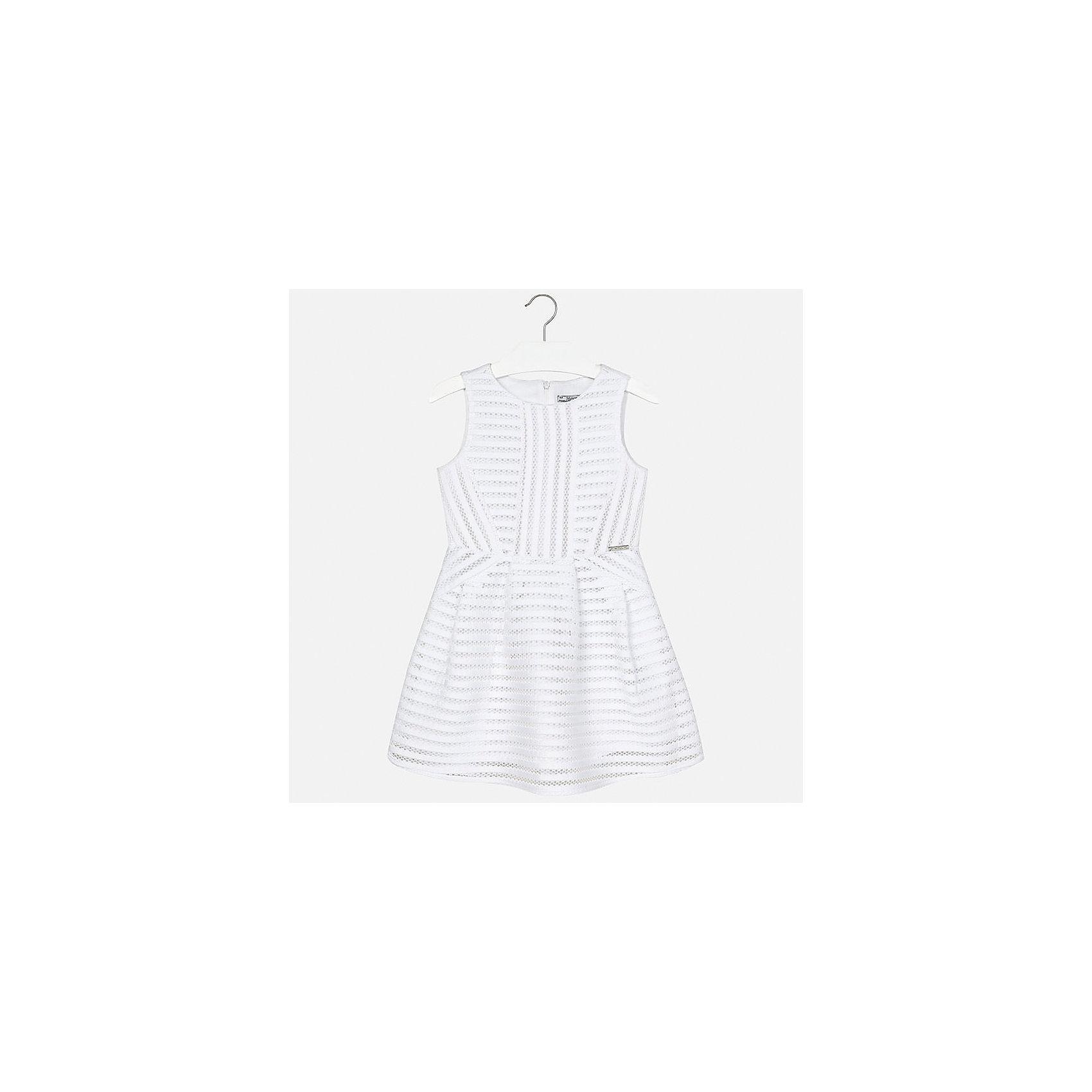 Платье для девочки MayoralОдежда<br>Характеристики товара:<br><br>• цвет: белый<br>• состав: 100% полиэстер, подкладка - 100% полиэстер<br>• застежка: молния<br>• приталенное<br>• без рукавов<br>• с подкладкой<br>• страна бренда: Испания<br><br>Нарядное платье для девочки поможет разнообразить гардероб ребенка и создать эффектный наряд. Оно подойдет для различных случаев. Красивый оттенок позволяет подобрать к вещи обувь разных расцветок. Платье хорошо сидит по фигуре.<br><br>Одежда, обувь и аксессуары от испанского бренда Mayoral полюбились детям и взрослым по всему миру. Модели этой марки - стильные и удобные. Для их производства используются только безопасные, качественные материалы и фурнитура. Порадуйте ребенка модными и красивыми вещами от Mayoral! <br><br>Платье для девочки от испанского бренда Mayoral (Майорал) можно купить в нашем интернет-магазине.<br><br>Ширина мм: 236<br>Глубина мм: 16<br>Высота мм: 184<br>Вес г: 177<br>Цвет: белый<br>Возраст от месяцев: 84<br>Возраст до месяцев: 96<br>Пол: Женский<br>Возраст: Детский<br>Размер: 128/134,170,164,158,152,140<br>SKU: 5293269