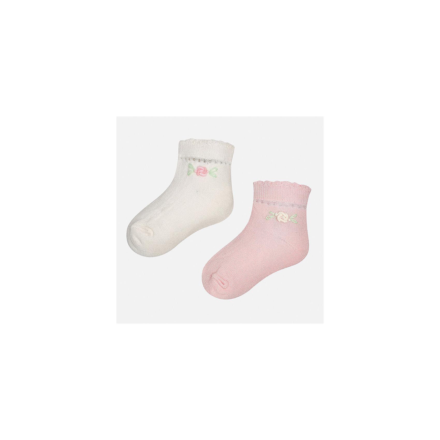 Носки (2 пары) для девочки MayoralНоски<br>Характеристики товара:<br><br>• цвет: белый/розовый<br>• состав: 74% хлопок, 23% полиамид, 3% эластан<br>• комплектация: две пары<br>• мягкая ажурная резинка<br>• эластичный материал<br>• декорированы объемными цветами<br>• страна бренда: Испания<br><br>Удобные симпатичные носки для девочки помогут обеспечить ребенку комфорт и дополнить наряд. Универсальный цвет позволяет надевать их под обувь разных расцветок. Носки удобно сидят на ноге и красиво смотрятся. В составе материала - натуральный хлопок, гипоаллергенный, приятный на ощупь, дышащий. <br><br>Одежда, обувь и аксессуары от испанского бренда Mayoral полюбились детям и взрослым по всему миру. Модели этой марки - стильные и удобные. Для их производства используются только безопасные, качественные материалы и фурнитура. Порадуйте ребенка модными и красивыми вещами от Mayoral! <br><br>Носки (2 пары) для девочки от испанского бренда Mayoral (Майорал) можно купить в нашем интернет-магазине.<br><br>Ширина мм: 87<br>Глубина мм: 10<br>Высота мм: 105<br>Вес г: 115<br>Цвет: розовый<br>Возраст от месяцев: 21<br>Возраст до месяцев: 24<br>Пол: Женский<br>Возраст: Детский<br>Размер: 24,12<br>SKU: 5293376
