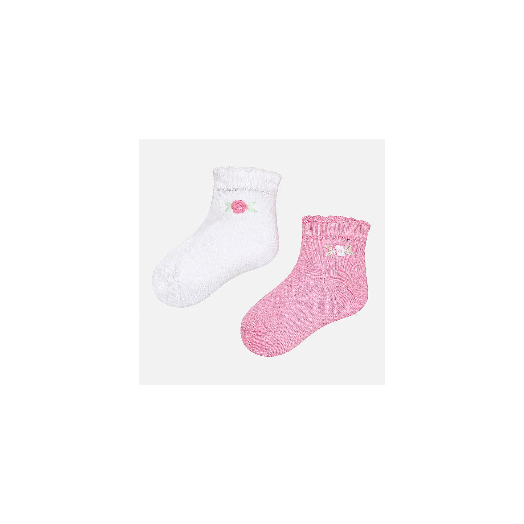 Носки (2 пары) для девочки MayoralХарактеристики товара:<br><br>• цвет: белый/розовый<br>• состав: 74% хлопок, 23% полиамид, 3% эластан<br>• комплектация: две пары<br>• мягкая ажурная резинка<br>• эластичный материал<br>• декорированы объемными цветами<br>• страна бренда: Испания<br><br>Удобные симпатичные носки для девочки помогут обеспечить ребенку комфорт и дополнить наряд. Универсальный цвет позволяет надевать их под обувь разных расцветок. Носки удобно сидят на ноге и красиво смотрятся. В составе материала - натуральный хлопок, гипоаллергенный, приятный на ощупь, дышащий. <br><br>Одежда, обувь и аксессуары от испанского бренда Mayoral полюбились детям и взрослым по всему миру. Модели этой марки - стильные и удобные. Для их производства используются только безопасные, качественные материалы и фурнитура. Порадуйте ребенка модными и красивыми вещами от Mayoral! <br><br>Носки (2 пары) для девочки от испанского бренда Mayoral (Майорал) можно купить в нашем интернет-магазине.<br><br>Ширина мм: 87<br>Глубина мм: 10<br>Высота мм: 105<br>Вес г: 115<br>Цвет: фиолетовый<br>Возраст от месяцев: 12<br>Возраст до месяцев: 18<br>Пол: Женский<br>Возраст: Детский<br>Размер: 12,24<br>SKU: 5293379