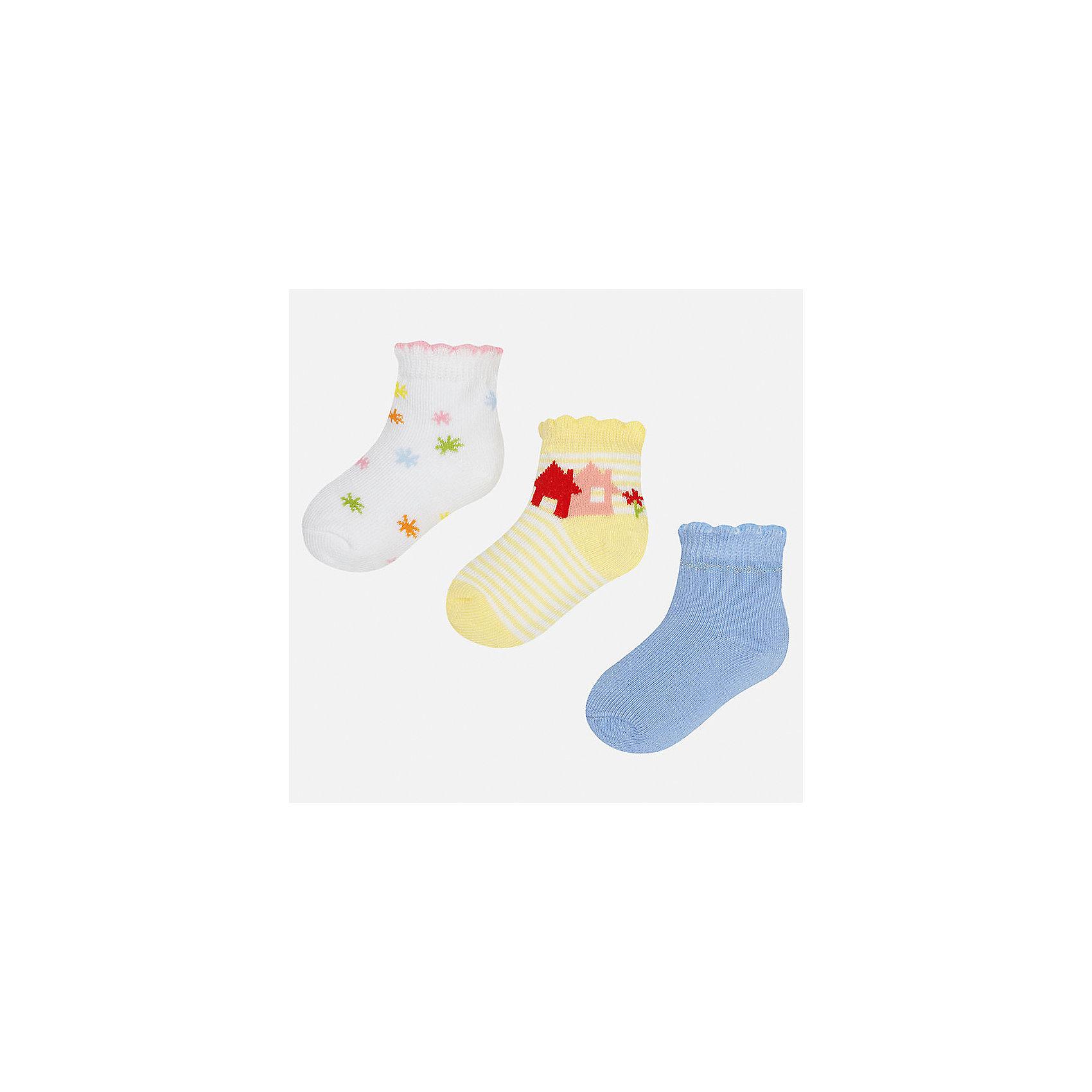 Носки (3 шт.) для девочки MayoralНосочки и колготки<br>Характеристики товара:<br><br>• цвет: белый/желтый/голубой<br>• состав: 68% хлопок, 28% полиамид, 4% эластан<br>• комплектация: 3 пары<br>• мягкая ажурная резинка<br>• эластичный материал<br>• декорированы рисунком<br>• страна бренда: Испания<br><br>Красивые и удобные носки для девочки помогут обеспечить ребенку комфорт и дополнить наряд. Универсальный цвет позволяет надевать их под обувь разных расцветок. Носки удобно сидят на ноге и красиво смотрятся. В составе материала - натуральный хлопок, гипоаллергенный, приятный на ощупь, дышащий. <br><br>Одежда, обувь и аксессуары от испанского бренда Mayoral полюбились детям и взрослым по всему миру. Модели этой марки - стильные и удобные. Для их производства используются только безопасные, качественные материалы и фурнитура. Порадуйте ребенка модными и красивыми вещами от Mayoral! <br><br>Носки для девочки от испанского бренда Mayoral (Майорал) можно купить в нашем интернет-магазине.<br><br>Ширина мм: 87<br>Глубина мм: 10<br>Высота мм: 105<br>Вес г: 115<br>Цвет: разноцветный<br>Возраст от месяцев: 21<br>Возраст до месяцев: 24<br>Пол: Женский<br>Возраст: Детский<br>Размер: 24,12<br>SKU: 5293391