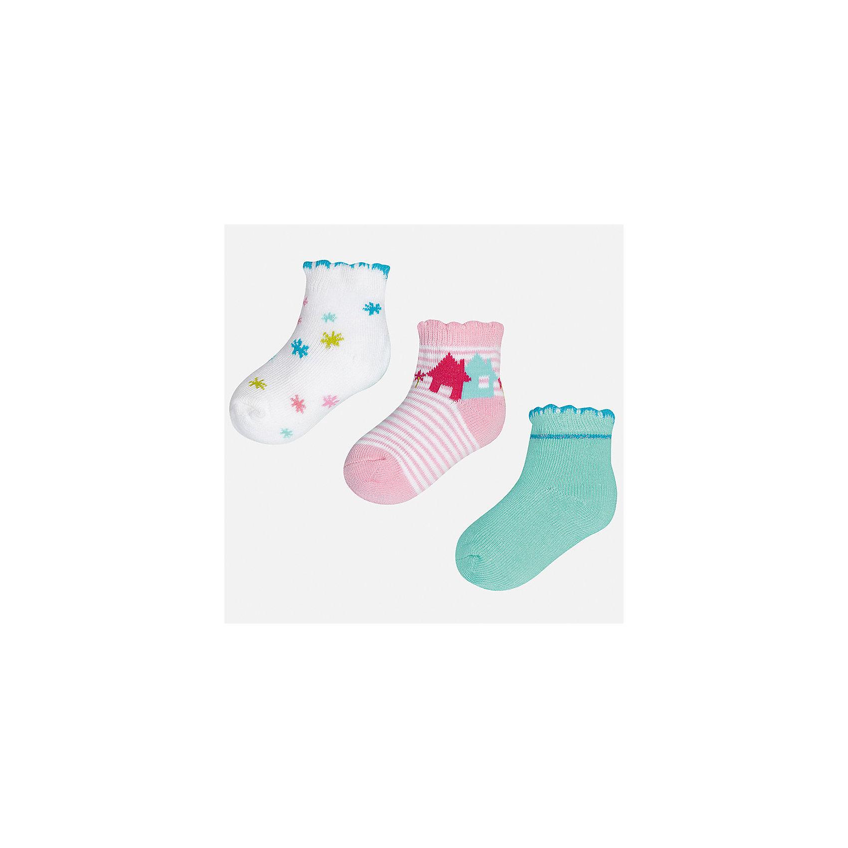 Носки для девочки MayoralНоски<br>Характеристики товара:<br><br>• цвет: белый/розовый/зеленый<br>• состав: 68% хлопок, 28% полиамид, 4% эластан<br>• комплектация: 3 пары<br>• мягкая ажурная резинка<br>• эластичный материал<br>• декорированы рисунком<br>• страна бренда: Испания<br><br>Красивые и удобные носки для девочки помогут обеспечить ребенку комфорт и дополнить наряд. Универсальный цвет позволяет надевать их под обувь разных расцветок. Носки удобно сидят на ноге и красиво смотрятся. В составе материала - натуральный хлопок, гипоаллергенный, приятный на ощупь, дышащий. <br><br>Одежда, обувь и аксессуары от испанского бренда Mayoral полюбились детям и взрослым по всему миру. Модели этой марки - стильные и удобные. Для их производства используются только безопасные, качественные материалы и фурнитура. Порадуйте ребенка модными и красивыми вещами от Mayoral! <br><br>Носки для девочки от испанского бренда Mayoral (Майорал) можно купить в нашем интернет-магазине.<br><br>Ширина мм: 87<br>Глубина мм: 10<br>Высота мм: 105<br>Вес г: 115<br>Цвет: голубой<br>Возраст от месяцев: 12<br>Возраст до месяцев: 18<br>Пол: Женский<br>Возраст: Детский<br>Размер: 12,24<br>SKU: 5293397