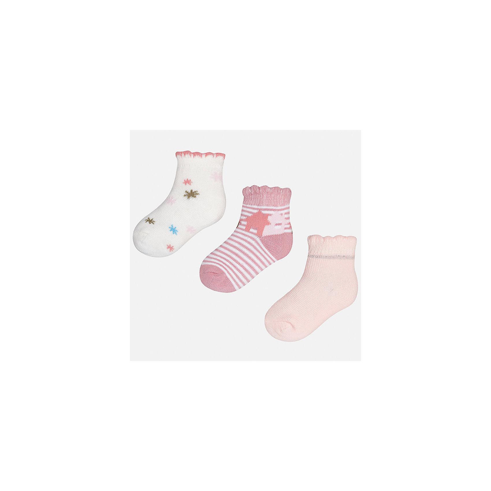 Носки для девочки MayoralХарактеристики товара:<br><br>• цвет: белый/розовый<br>• состав: 68% хлопок, 28% полиамид, 4% эластан<br>• комплектация: 3 пары<br>• мягкая ажурная резинка<br>• эластичный материал<br>• декорированы рисунком<br>• страна бренда: Испания<br><br>Красивые и удобные носки для девочки помогут обеспечить ребенку комфорт и дополнить наряд. Универсальный цвет позволяет надевать их под обувь разных расцветок. Носки удобно сидят на ноге и красиво смотрятся. В составе материала - натуральный хлопок, гипоаллергенный, приятный на ощупь, дышащий. <br><br>Одежда, обувь и аксессуары от испанского бренда Mayoral полюбились детям и взрослым по всему миру. Модели этой марки - стильные и удобные. Для их производства используются только безопасные, качественные материалы и фурнитура. Порадуйте ребенка модными и красивыми вещами от Mayoral! <br><br>Носки для девочки от испанского бренда Mayoral (Майорал) можно купить в нашем интернет-магазине.<br><br>Ширина мм: 87<br>Глубина мм: 10<br>Высота мм: 105<br>Вес г: 115<br>Цвет: бежевый<br>Возраст от месяцев: 21<br>Возраст до месяцев: 24<br>Пол: Женский<br>Возраст: Детский<br>Размер: 24,12<br>SKU: 5293400