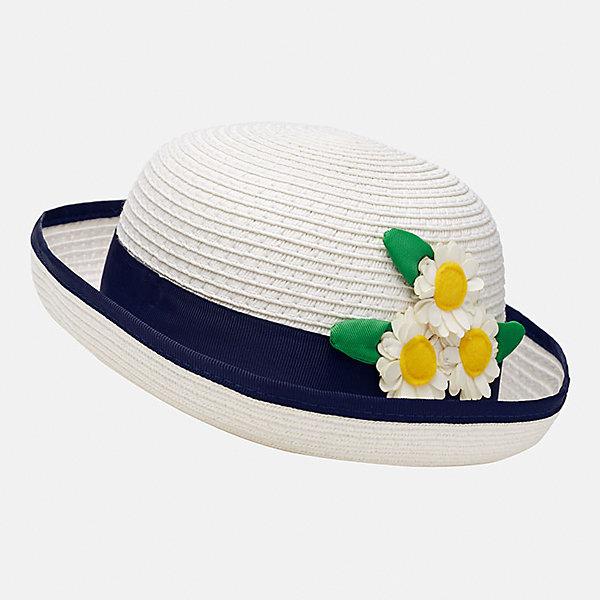 Шляпа для девочки MayoralЛетние<br>Характеристики товара:<br><br>• цвет: белый/синий<br>• состав: 100% бумага<br>• контрастная окантовка<br>• дышащая фактура<br>• декорирована лентой и текстильными цветами<br>• страна бренда: Испания<br><br>Красивая легкая шляпа для девочки поможет обеспечить ребенку защиту от солнца и дополнить наряд. Универсальный цвет позволяет надевать её под наряды различных расцветок. Шляпа удобно сидит и красиво смотрится. <br><br>Одежда, обувь и аксессуары от испанского бренда Mayoral полюбились детям и взрослым по всему миру. Модели этой марки - стильные и удобные. Для их производства используются только безопасные, качественные материалы и фурнитура. Порадуйте ребенка модными и красивыми вещами от Mayoral! <br><br>Шляпу для девочки от испанского бренда Mayoral (Майорал) можно купить в нашем интернет-магазине.<br><br>Ширина мм: 89<br>Глубина мм: 117<br>Высота мм: 44<br>Вес г: 155<br>Цвет: белый<br>Возраст от месяцев: 12<br>Возраст до месяцев: 18<br>Пол: Женский<br>Возраст: Детский<br>Размер: 50,48<br>SKU: 5293403