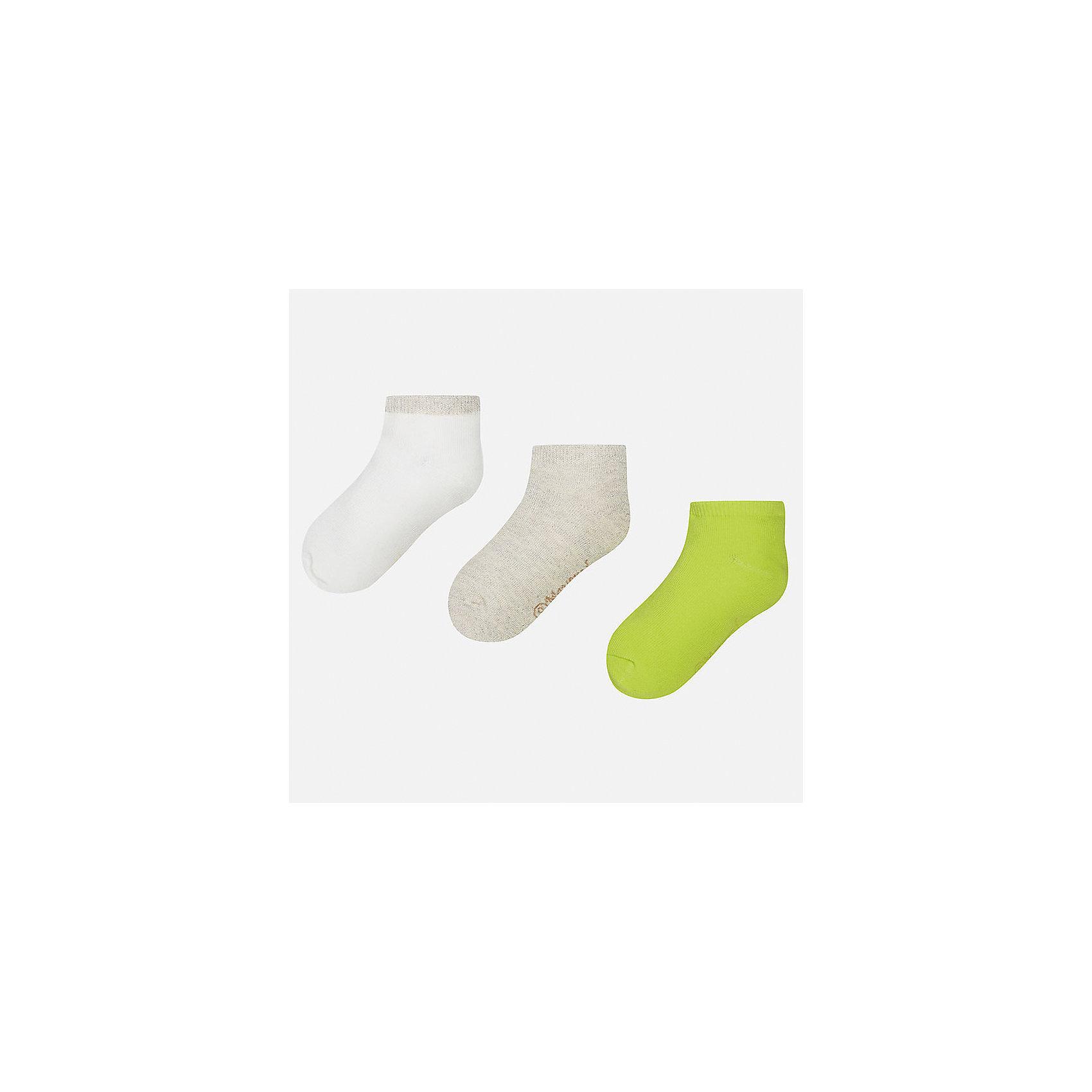 Носки (3 пары) для девочки MayoralНоски<br>Характеристики товара:<br><br>• цвет: белый/серый/зеленый<br>• состав: 74% хлопок, 20% полиэстер, 3% полиамид, 3% эластан<br>• комплектация: три пары<br>• мягкая резинка<br>• эластичный материал<br>• однотонные<br>• страна бренда: Испания<br><br>Удобные симпатичные носки для девочки помогут обеспечить ребенку комфорт и дополнить наряд. Универсальный цвет позволяет надевать их под обувь разных расцветок. Носки удобно сидят на ноге и красиво смотрятся. В составе материала - натуральный хлопок, гипоаллергенный, приятный на ощупь, дышащий. <br><br>Одежда, обувь и аксессуары от испанского бренда Mayoral полюбились детям и взрослым по всему миру. Модели этой марки - стильные и удобные. Для их производства используются только безопасные, качественные материалы и фурнитура. Порадуйте ребенка модными и красивыми вещами от Mayoral! <br><br>Носки (3 пары) для девочки от испанского бренда Mayoral (Майорал) можно купить в нашем интернет-магазине.<br><br>Ширина мм: 87<br>Глубина мм: 10<br>Высота мм: 105<br>Вес г: 115<br>Цвет: зеленый<br>Возраст от месяцев: 0<br>Возраст до месяцев: 3<br>Пол: Женский<br>Возраст: Детский<br>Размер: 16,8,10,12,14<br>SKU: 5293539