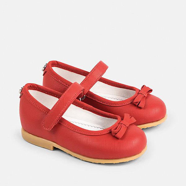 Туфли для девочки MayoralТуфли<br>Характеристики товара:<br><br>• цвет: красный<br>• состав: верх - полиуретан, подкладка и стелька - 70% хлопок, 30% натуральная кожа, подошва - резина<br>• застежка: липучка<br>• сзади - металлическое украшение<br>• устойчивая подошва<br>• декорированы бантом<br>• страна бренда: Испания<br><br>Удобные симпатичные туфли для девочки помогут обеспечить ребенку комфорт и дополнить наряд. Универсальный цвет позволяет надевать их под наряд разных расцветок. Туфли удобно сидят на ноге и красиво смотрятся. Отличный вариант и на праздник и на каждый день!<br><br>Одежда, обувь и аксессуары от испанского бренда Mayoral полюбились детям и взрослым по всему миру. Модели этой марки - стильные и удобные. Для их производства используются только безопасные, качественные материалы и фурнитура. Порадуйте ребенка модными и красивыми вещами от Mayoral! <br><br>Туфли для девочки от испанского бренда Mayoral (Майорал) можно купить в нашем интернет-магазине.<br><br>Ширина мм: 227<br>Глубина мм: 145<br>Высота мм: 124<br>Вес г: 325<br>Цвет: красный<br>Возраст от месяцев: 24<br>Возраст до месяцев: 24<br>Пол: Женский<br>Возраст: Детский<br>Размер: 25,22,23,24<br>SKU: 5293603