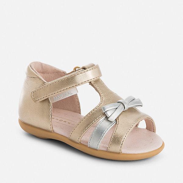 Сандалии для девочки MayoralНарядная обувь<br>Характеристики товара:<br><br>• цвет: золотистый<br>• состав: верх - полиуретан, подкладка и стелька - натуральная кожа, подошва - резина<br>• застежка: липучка<br>• защита пятки <br>• устойчивая подошва<br>• декорированы бантом<br>• страна бренда: Испания<br><br>Симпатичные сандали для девочки помогут обеспечить ребенку комфорт и дополнить наряд. Сандали удобно сидят на ноге и красиво смотрятся. Отличный вариант для теплой погоды!<br><br>Сандали для девочки от испанского бренда Mayoral (Майорал) можно купить в нашем интернет-магазине.<br>Ширина мм: 227; Глубина мм: 145; Высота мм: 124; Вес г: 325; Цвет: желтый; Возраст от месяцев: 15; Возраст до месяцев: 18; Пол: Женский; Возраст: Детский; Размер: 22,25,23,24; SKU: 5293648;