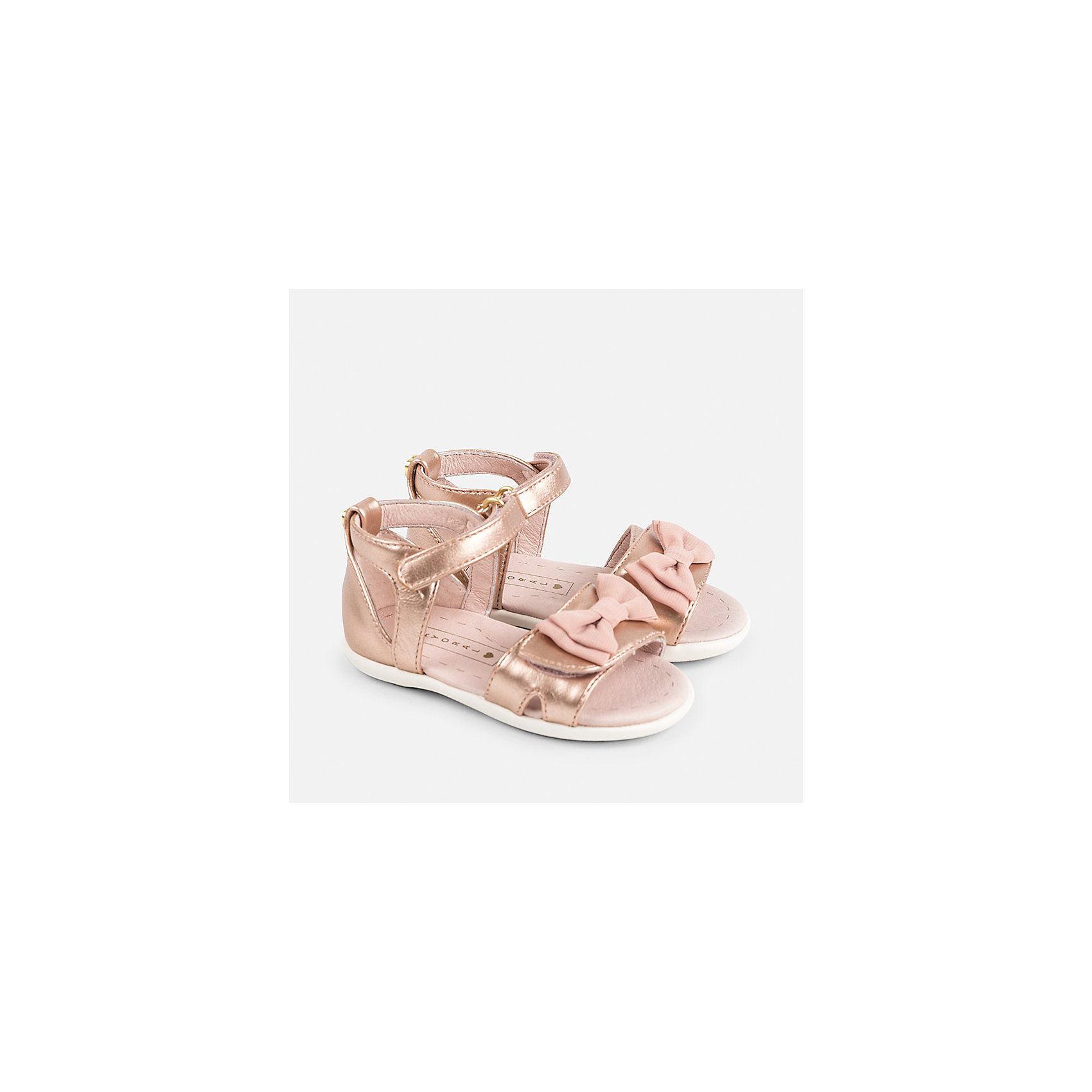 Сандалии для девочки MayoralОбувь<br>Характеристики товара:<br><br>• цвет: розовый<br>• состав: верх - полиуретан, подкладка и стелька - 100% натуральная кожа, подошва - резина<br>• застежка: липучка<br>• сзади - металлическое украшение<br>• устойчивая подошва<br>• декорированы бантом<br>• страна бренда: Испания<br><br>Удобные симпатичные сандали для девочки помогут обеспечить ребенку комфорт и дополнить наряд. Универсальный цвет позволяет надевать их под наряд разных расцветок. Сандали удобно сидят на ноге и красиво смотрятся. Отличный вариант и на праздник и на каждый день!<br><br>Одежда, обувь и аксессуары от испанского бренда Mayoral полюбились детям и взрослым по всему миру. Модели этой марки - стильные и удобные. Для их производства используются только безопасные, качественные материалы и фурнитура. Порадуйте ребенка модными и красивыми вещами от Mayoral! <br><br>Сандали для девочки от испанского бренда Mayoral (Майорал) можно купить в нашем интернет-магазине.<br><br>Ширина мм: 219<br>Глубина мм: 154<br>Высота мм: 121<br>Вес г: 343<br>Цвет: розовый<br>Возраст от месяцев: 24<br>Возраст до месяцев: 24<br>Пол: Женский<br>Возраст: Детский<br>Размер: 25,22,23,24<br>SKU: 5293673