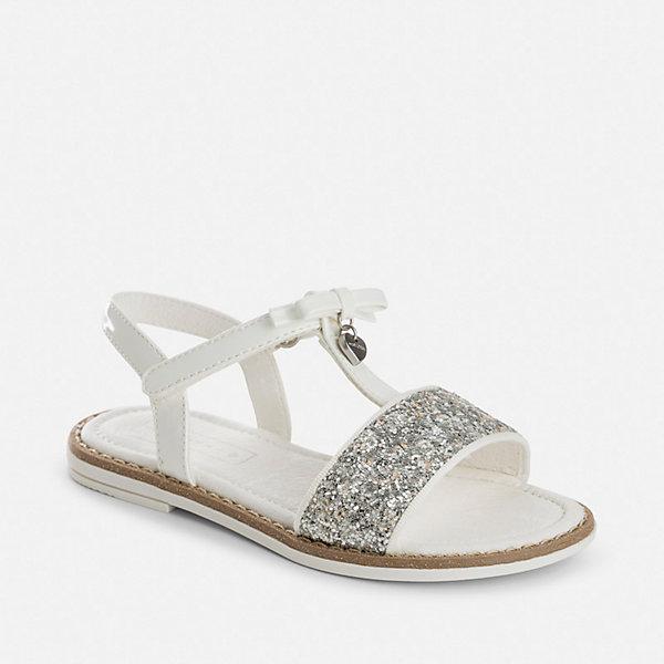 Босоножки для девочки MayoralНарядная обувь<br>Характеристики товара:<br><br>• цвет: белый<br>• состав: верх - полиуретан, подкладка и стелька - натуральная кожа, подошва - полимер<br>• застежка: липучка<br>• металлическое украшение<br>• устойчивая подошва<br>• декорированы блестками <br>• страна бренда: Испания<br><br>Симпатичные сандали для девочки помогут обеспечить ребенку комфорт и дополнить наряд. Сандали удобно сидят на ноге и красиво смотрятся. Отличный вариант для теплой погоды!<br><br>Сандали для девочки от испанского бренда Mayoral (Майорал) можно купить в нашем интернет-магазине.<br><br>Ширина мм: 219<br>Глубина мм: 154<br>Высота мм: 121<br>Вес г: 343<br>Цвет: белый<br>Возраст от месяцев: 24<br>Возраст до месяцев: 36<br>Пол: Женский<br>Возраст: Детский<br>Размер: 26,38,27,28,29,30,31,32,33,34,35,36,37<br>SKU: 5293816