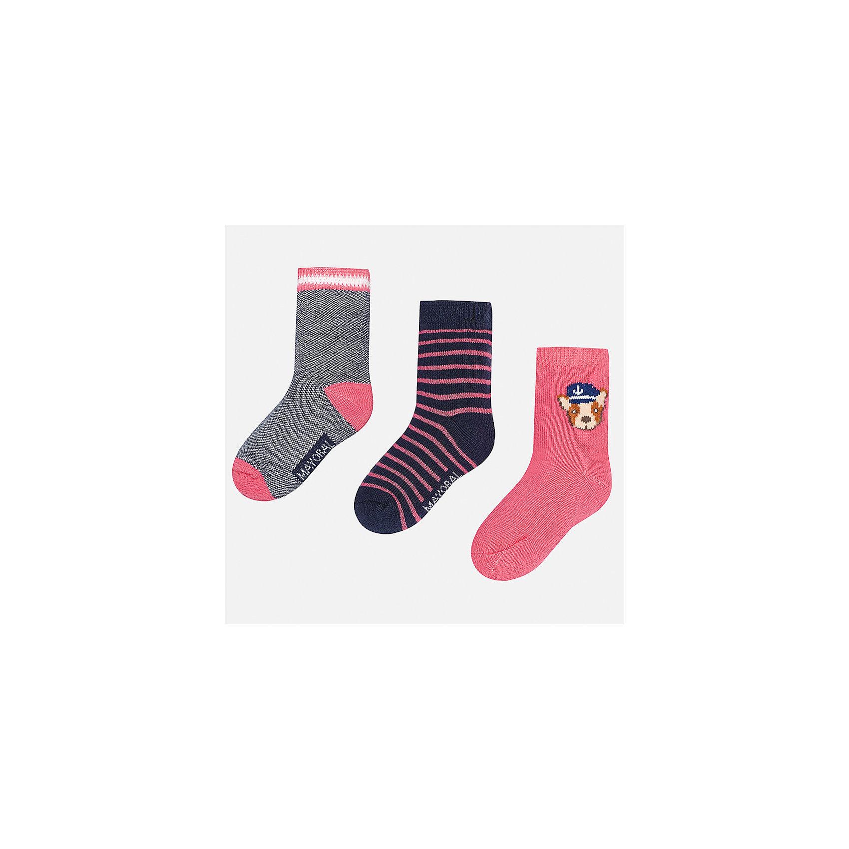 Носки (3 пары) для мальчика MayoralНоски<br>Характеристики товара:<br><br>• цвет: серый/синий/розовый<br>• состав: 78% хлопок, 20% полиамид, 2% эластан<br>• комплектация: три пары<br>• мягкая резинка<br>• эластичный материал<br>• декорированы рисунком<br>• страна бренда: Испания<br><br>Удобные симпатичные носки для мальчика помогут обеспечить ребенку комфорт и дополнить наряд. Универсальный цвет позволяет надевать их под обувь разных расцветок. Носки удобно сидят на ноге и аккуратно смотрятся. Этот комплект - практичный и красивый! В составе материала - натуральный хлопок, гипоаллергенный, приятный на ощупь, дышащий. <br><br>Одежда, обувь и аксессуары от испанского бренда Mayoral полюбились детям и взрослым по всему миру. Модели этой марки - стильные и удобные. Для их производства используются только безопасные, качественные материалы и фурнитура. Порадуйте ребенка модными и красивыми вещами от Mayoral! <br><br>Носки (3 пары) для мальчика от испанского бренда Mayoral (Майорал) можно купить в нашем интернет-магазине.<br><br>Ширина мм: 87<br>Глубина мм: 10<br>Высота мм: 105<br>Вес г: 115<br>Цвет: разноцветный<br>Возраст от месяцев: 12<br>Возраст до месяцев: 24<br>Пол: Мужской<br>Возраст: Детский<br>Размер: 2,1<br>SKU: 5294226