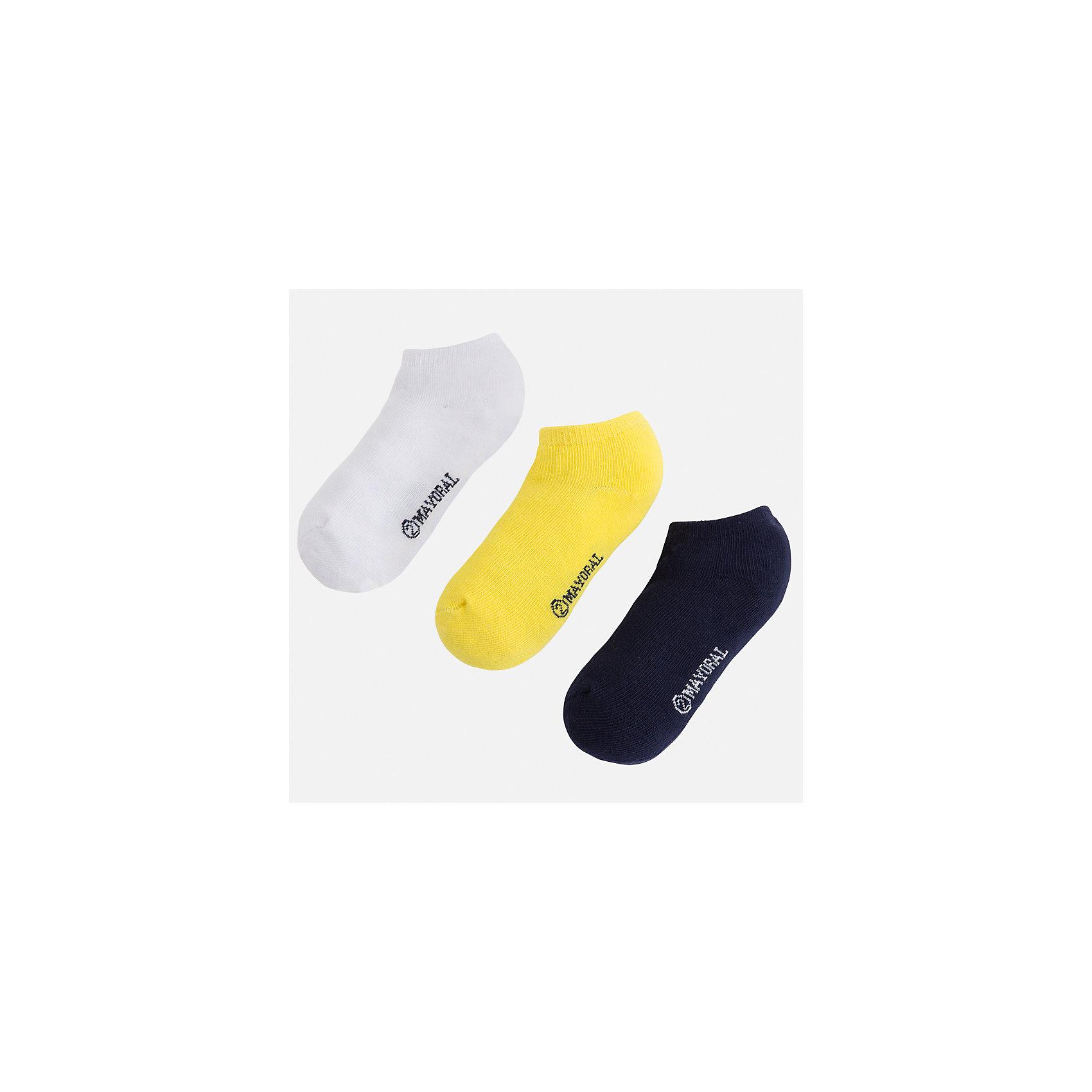 Носки для мальчика MayoralХарактеристики товара:<br><br>• цвет: белый/желтый/синий<br>• состав: 72% хлопок, 25% полиамид, 3% эластан<br>• комплектация: три пары<br>• мягкая резинка<br>• эластичный материал<br>• однотонные<br>• страна бренда: Испания<br><br>Удобные симпатичные носки для мальчика помогут обеспечить ребенку комфорт и дополнить наряд. Универсальный цвет позволяет надевать их под обувь разных расцветок. Носки удобно сидят на ноге и аккуратно смотрятся. Этот комплект - практичный и красивый! В составе материала - натуральный хлопок, гипоаллергенный, приятный на ощупь, дышащий. <br><br>Одежда, обувь и аксессуары от испанского бренда Mayoral полюбились детям и взрослым по всему миру. Модели этой марки - стильные и удобные. Для их производства используются только безопасные, качественные материалы и фурнитура. Порадуйте ребенка модными и красивыми вещами от Mayoral! <br><br>Носки (3 пары) для мальчика от испанского бренда Mayoral (Майорал) можно купить в нашем интернет-магазине.<br><br>Ширина мм: 87<br>Глубина мм: 10<br>Высота мм: 105<br>Вес г: 115<br>Цвет: желтый<br>Возраст от месяцев: 72<br>Возраст до месяцев: 96<br>Пол: Мужской<br>Возраст: Детский<br>Размер: 8,2,4,6<br>SKU: 5294382