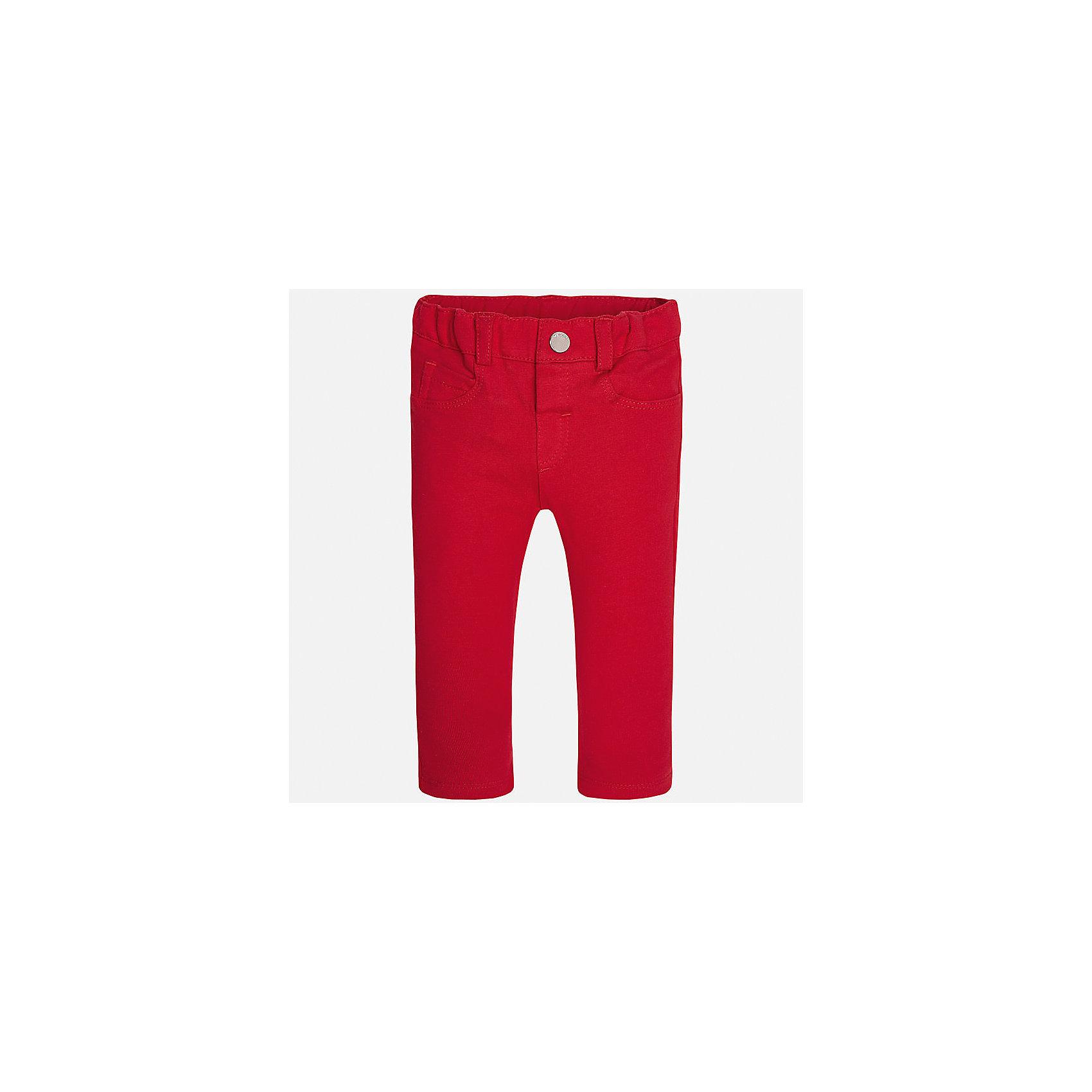 Леггинсы для девочки MayoralБрюки<br>Характеристики товара:<br><br>• цвет: красный<br>• состав: 95% хлопок, 5% эластан<br>• шлевки<br>• эластичный материал<br>• классический силуэт<br>• декоративная отделка карманов<br>• страна бренда: Испания<br><br>Модные леггинсы для девочки смогут разнообразить гардероб ребенка и украсить наряд. Они отлично сочетаются с майками, футболками, блузками. Красивый оттенок позволяет подобрать к вещи верх разных расцветок. В составе материала - натуральный хлопок, гипоаллергенный, приятный на ощупь, дышащий. Леггинсы отлично сидят и не стесняют движения.<br><br>Одежда, обувь и аксессуары от испанского бренда Mayoral полюбились детям и взрослым по всему миру. Модели этой марки - стильные и удобные. Для их производства используются только безопасные, качественные материалы и фурнитура. Порадуйте ребенка модными и красивыми вещами от Mayoral! <br><br>Леггинсы для девочки от испанского бренда Mayoral (Майорал) можно купить в нашем интернет-магазине.<br><br>Ширина мм: 123<br>Глубина мм: 10<br>Высота мм: 149<br>Вес г: 209<br>Цвет: красный<br>Возраст от месяцев: 12<br>Возраст до месяцев: 15<br>Пол: Женский<br>Возраст: Детский<br>Размер: 80,86,92,74<br>SKU: 5300025