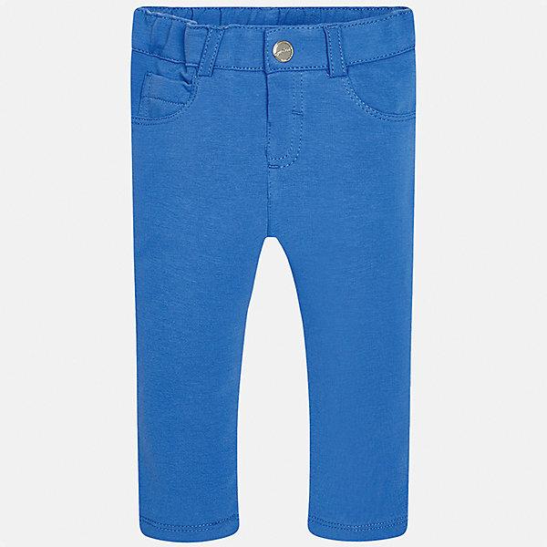 Леггинсы для девочки MayoralЛеггинсы<br>Характеристики товара:<br><br>• цвет: голубой<br>• состав: 95% хлопок, 5% эластан<br>• шлевки<br>• эластичный материал<br>• классический силуэт<br>• декоративная отделка карманов<br>• страна бренда: Испания<br><br>Модные леггинсы для девочки смогут разнообразить гардероб ребенка и украсить наряд. Они отлично сочетаются с майками, футболками, блузками. Красивый оттенок позволяет подобрать к вещи верх разных расцветок. В составе материала - натуральный хлопок, гипоаллергенный, приятный на ощупь, дышащий. Леггинсы отлично сидят и не стесняют движения.<br><br>Одежда, обувь и аксессуары от испанского бренда Mayoral полюбились детям и взрослым по всему миру. Модели этой марки - стильные и удобные. Для их производства используются только безопасные, качественные материалы и фурнитура. Порадуйте ребенка модными и красивыми вещами от Mayoral! <br><br>Леггинсы для девочки от испанского бренда Mayoral (Майорал) можно купить в нашем интернет-магазине.<br>Ширина мм: 123; Глубина мм: 10; Высота мм: 149; Вес г: 209; Цвет: синий; Возраст от месяцев: 6; Возраст до месяцев: 9; Пол: Женский; Возраст: Детский; Размер: 74,92,86,80; SKU: 5300030;