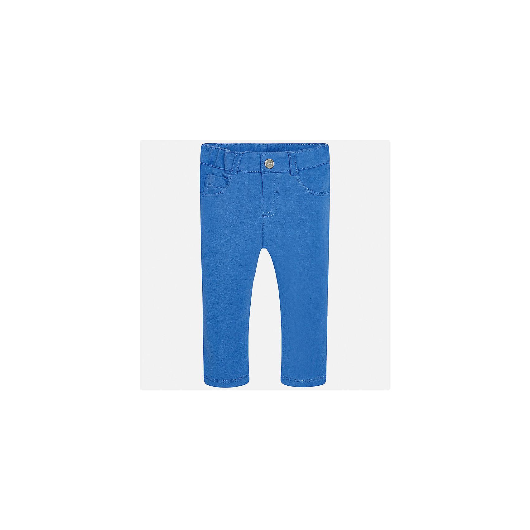 Леггинсы для девочки MayoralХарактеристики товара:<br><br>• цвет: голубой<br>• состав: 95% хлопок, 5% эластан<br>• шлевки<br>• эластичный материал<br>• классический силуэт<br>• декоративная отделка карманов<br>• страна бренда: Испания<br><br>Модные леггинсы для девочки смогут разнообразить гардероб ребенка и украсить наряд. Они отлично сочетаются с майками, футболками, блузками. Красивый оттенок позволяет подобрать к вещи верх разных расцветок. В составе материала - натуральный хлопок, гипоаллергенный, приятный на ощупь, дышащий. Леггинсы отлично сидят и не стесняют движения.<br><br>Одежда, обувь и аксессуары от испанского бренда Mayoral полюбились детям и взрослым по всему миру. Модели этой марки - стильные и удобные. Для их производства используются только безопасные, качественные материалы и фурнитура. Порадуйте ребенка модными и красивыми вещами от Mayoral! <br><br>Леггинсы для девочки от испанского бренда Mayoral (Майорал) можно купить в нашем интернет-магазине.<br><br>Ширина мм: 123<br>Глубина мм: 10<br>Высота мм: 149<br>Вес г: 209<br>Цвет: синий<br>Возраст от месяцев: 18<br>Возраст до месяцев: 24<br>Пол: Женский<br>Возраст: Детский<br>Размер: 92,74,80,86<br>SKU: 5300030