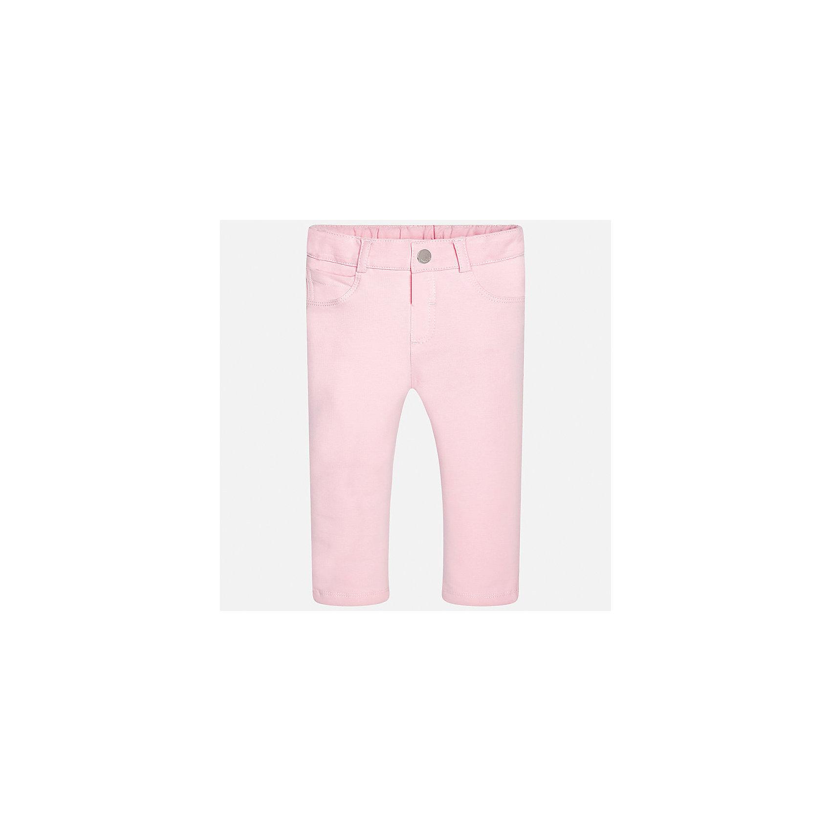 Брюки для девочки MayoralБрюки<br>Характеристики товара:<br><br>• цвет: розовый<br>• состав: 95% хлопок, 5% эластан<br>• шлевки<br>• эластичный материал<br>• классический силуэт<br>• страна бренда: Испания<br><br>Модные брюки для девочки смогут разнообразить гардероб ребенка и украсить наряд. Они отлично сочетаются с майками, футболками, блузками. Красивый оттенок позволяет подобрать к вещи верх разных расцветок. В составе материала - натуральный хлопок, гипоаллергенный, приятный на ощупь, дышащий. Леггинсы отлично сидят и не стесняют движения.<br><br>Одежда, обувь и аксессуары от испанского бренда Mayoral полюбились детям и взрослым по всему миру. Модели этой марки - стильные и удобные. Для их производства используются только безопасные, качественные материалы и фурнитура. Порадуйте ребенка модными и красивыми вещами от Mayoral! <br><br>Брюки для девочки от испанского бренда Mayoral (Майорал) можно купить в нашем интернет-магазине.<br><br>Ширина мм: 123<br>Глубина мм: 10<br>Высота мм: 149<br>Вес г: 209<br>Цвет: фиолетовый<br>Возраст от месяцев: 18<br>Возраст до месяцев: 24<br>Пол: Женский<br>Возраст: Детский<br>Размер: 92,86,74,80<br>SKU: 5300035
