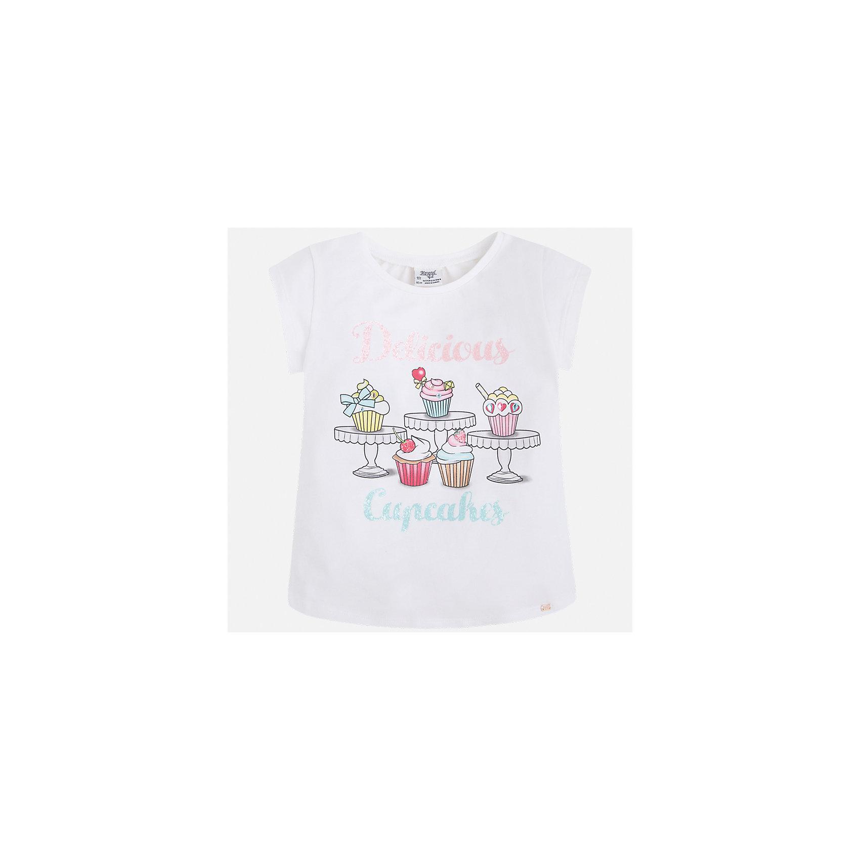 Футболка для девочки MayoralФутболки, поло и топы<br>Характеристики товара:<br><br>• цвет: белый<br>• состав: 95% хлопок, 5% эластан<br>• эластичный материал<br>• декорирована принтом<br>• короткие рукава<br>• округлый горловой вырез<br>• страна бренда: Испания<br><br>Модная качественная футболка для девочки поможет разнообразить гардероб ребенка и украсить наряд. Она отлично сочетается и с юбками, и с шортами, и с брюками. Универсальный цвет позволяет подобрать к вещи низ практически любой расцветки. Интересная отделка модели делает её нарядной и оригинальной. В составе материала есть натуральный хлопок, гипоаллергенный, приятный на ощупь, дышащий.<br><br>Одежда, обувь и аксессуары от испанского бренда Mayoral полюбились детям и взрослым по всему миру. Модели этой марки - стильные и удобные. Для их производства используются только безопасные, качественные материалы и фурнитура. Порадуйте ребенка модными и красивыми вещами от Mayoral! <br><br>Футболку для девочки от испанского бренда Mayoral (Майорал) можно купить в нашем интернет-магазине.<br><br>Ширина мм: 199<br>Глубина мм: 10<br>Высота мм: 161<br>Вес г: 151<br>Цвет: белый<br>Возраст от месяцев: 36<br>Возраст до месяцев: 48<br>Пол: Женский<br>Возраст: Детский<br>Размер: 104,98,92,134,128,122,116,110<br>SKU: 5300291