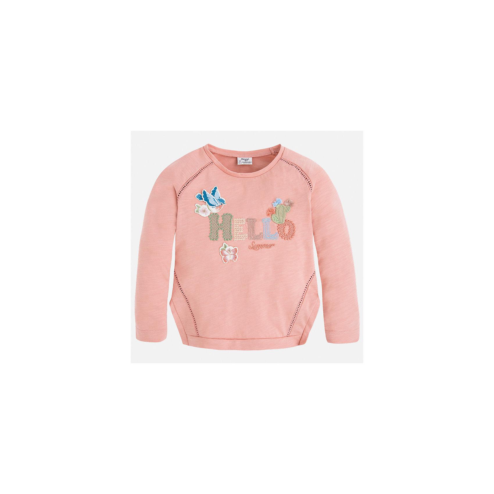 Футболка с длинным рукавом для девочки MayoralФутболки с длинным рукавом<br>Характеристики товара:<br><br>• цвет: розовый<br>• состав: 100% хлопок<br>• плотный материал<br>• декорирована вышивкой<br>• длинные рукава<br>• округлый горловой вырез<br>• страна бренда: Испания<br><br>Модная качественная футболка для девочки поможет разнообразить гардероб ребенка и украсить наряд. Она отлично сочетается и с юбками, и с брюками. Универсальный цвет позволяет подобрать к вещи низ практически любой расцветки. Интересная отделка модели делает её нарядной и оригинальной. В составе материала - только натуральный хлопок, гипоаллергенный, приятный на ощупь, дышащий.<br><br>Одежда, обувь и аксессуары от испанского бренда Mayoral полюбились детям и взрослым по всему миру. Модели этой марки - стильные и удобные. Для их производства используются только безопасные, качественные материалы и фурнитура. Порадуйте ребенка модными и красивыми вещами от Mayoral! <br><br>Футболку с длинным рукавом для девочки от испанского бренда Mayoral (Майорал) можно купить в нашем интернет-магазине.<br><br>Ширина мм: 230<br>Глубина мм: 40<br>Высота мм: 220<br>Вес г: 250<br>Цвет: розовый<br>Возраст от месяцев: 96<br>Возраст до месяцев: 108<br>Пол: Женский<br>Возраст: Детский<br>Размер: 134,92,98,104,110,116,122,128<br>SKU: 5300318