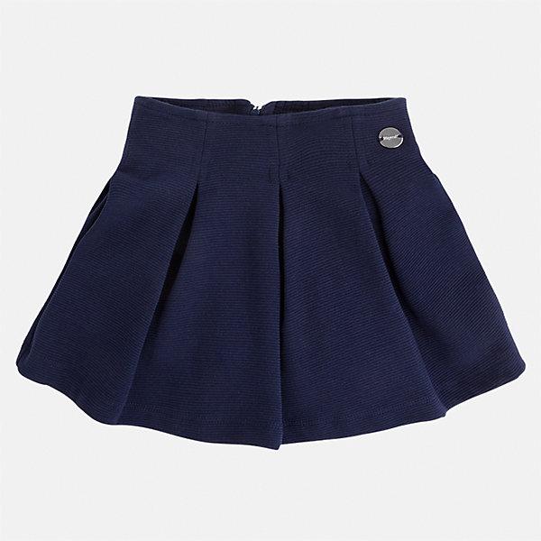 Юбка для девочки MayoralЮбки<br>Характеристики товара:<br><br>• цвет: темно-синий<br>• состав: 63% хлопок, 36% полиэстер, 1% эластан<br>• молния<br>• складки<br>• металлический логотип<br>• страна бренда: Испания<br><br>Эффектная юбка для девочки поможет разнообразить гардероб ребенка и создать эффектный наряд. Она отлично сочетаются с майками, футболками, блузками. Универсальный цвет позволяет подобрать к вещи верх разных расцветок. Юбка отлично сидит и не стесняет движения.<br><br>Одежда, обувь и аксессуары от испанского бренда Mayoral полюбились детям и взрослым по всему миру. Модели этой марки - стильные и удобные. Для их производства используются только безопасные, качественные материалы и фурнитура. Порадуйте ребенка модными и красивыми вещами от Mayoral! <br><br>Юбку для девочки от испанского бренда Mayoral (Майорал) можно купить в нашем интернет-магазине.<br><br>Ширина мм: 207<br>Глубина мм: 10<br>Высота мм: 189<br>Вес г: 183<br>Цвет: синий<br>Возраст от месяцев: 36<br>Возраст до месяцев: 48<br>Пол: Женский<br>Возраст: Детский<br>Размер: 104,98,92,134,128,122,116,110<br>SKU: 5300560
