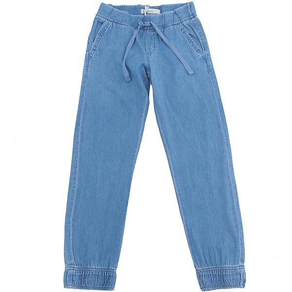 Брюки для мальчика SELAБрюки<br>Характеристики товара:<br><br>• цвет: голубой<br>• сезон: демисезон<br>• состав: 100% хлопок<br>• спортивный силуэт<br>• карманы<br>• шнурок в поясе<br>• страна бренда: Россия<br><br>Вещи из новой коллекции SELA продолжают радовать удобством! Стильные брюки для мальчика помогут разнообразить гардероб ребенка и стать базовой вещью. Они отлично сочетаются с рубашками, футболками, куртками. <br><br>Одежда, обувь и аксессуары от российского бренда SELA не зря пользуются большой популярностью у детей и взрослых! Модели этой марки - стильные и удобные, цена при этом неизменно остается доступной. Для их производства используются только безопасные, качественные материалы и фурнитура. Новая коллекция поддерживает хорошие традиции бренда! <br><br>Брюки для мальчика от популярного бренда SELA (СЕЛА) можно купить в нашем интернет-магазине.<br>Ширина мм: 215; Глубина мм: 88; Высота мм: 191; Вес г: 336; Цвет: голубой; Возраст от месяцев: 132; Возраст до месяцев: 144; Пол: Мужской; Возраст: Детский; Размер: 152,140,134,128,122,146; SKU: 5302171;