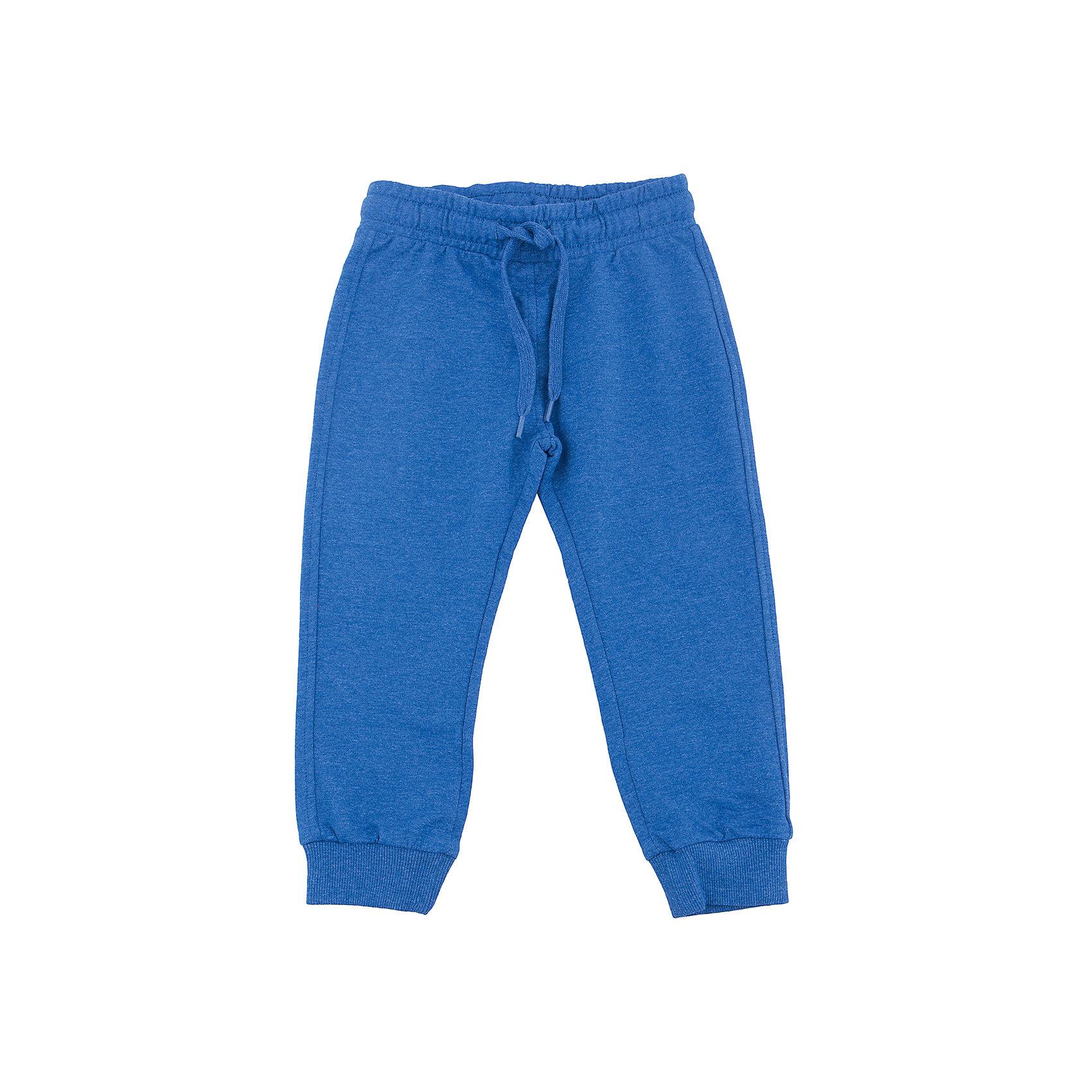 Брюки для мальчика SELAСпортивная одежда<br>Брюки для мальчика SELA (Села)<br><br>Характеристики:<br><br>• длина: полная с манжетами<br>• прямой, зауженный к низу силуэт<br>• состав: 60% хлопок, 40% полиэстер<br>• коллекция: весна 2017<br>• темно-синий меланж<br><br>Брюки для мальчика от известного бренда Sela очень удобны для каждого мальчика. Они имеют прямой силуэт, который заужен к низу и дополнен манжетами. Широкая резинка и завязки на поясе обеспечат удобство при ношении. Модель не сковывает движений ребенка даже во время самых активных игр. <br><br>Брюки для мальчика SELA (Села) вы можете купить в нашем интернет-магазине.<br><br>Ширина мм: 215<br>Глубина мм: 88<br>Высота мм: 191<br>Вес г: 336<br>Цвет: синий<br>Возраст от месяцев: 60<br>Возраст до месяцев: 72<br>Пол: Мужской<br>Возраст: Детский<br>Размер: 116,92,98,104,110<br>SKU: 5302349