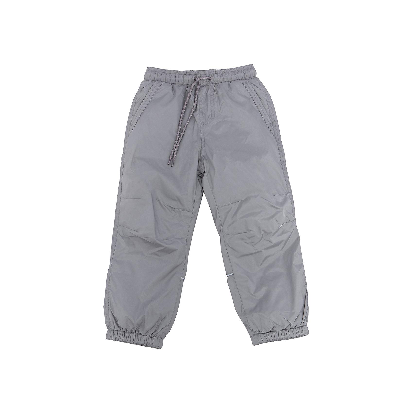Брюки утепленные для мальчика SELAСпортивная одежда<br>Характеристики товара:<br><br>• цвет: серый<br>• состав: верх: 100% полиэстер, подкладка: 100% полиэстер<br>• температурный режим: от +5° до +15°С<br>• подкладка флис<br>• спортивный стиль<br>• имитация ширинки<br>• светоотражающие детали<br>• два втачных кармана<br>• сзади два накладных кармана на кнопке<br>• пояс: мягкая резинка со шнурком<br>• коллекция весна-лето 2017<br>• страна бренда: Российская Федерация<br><br>Вещи из новой коллекции SELA продолжают радовать удобством! Спортивные брюки помогут разнообразить гардероб и обеспечить комфорт. Они отлично сочетаются с майками, футболками, куртками. В составе материала - натуральный хлопок.<br><br>Одежда, обувь и аксессуары от российского бренда SELA не зря пользуются большой популярностью у детей и взрослых! Модели этой марки - стильные и удобные, цена при этом неизменно остается доступной. Для их производства используются только безопасные, качественные материалы и фурнитура. Новая коллекция поддерживает хорошие традиции бренда! <br><br>Брюки для мальчика от популярного бренда SELA (СЕЛА) можно купить в нашем интернет-магазине.<br><br>Ширина мм: 215<br>Глубина мм: 88<br>Высота мм: 191<br>Вес г: 336<br>Цвет: серый<br>Возраст от месяцев: 36<br>Возраст до месяцев: 48<br>Пол: Мужской<br>Возраст: Детский<br>Размер: 104,116,110,98,92<br>SKU: 5302662