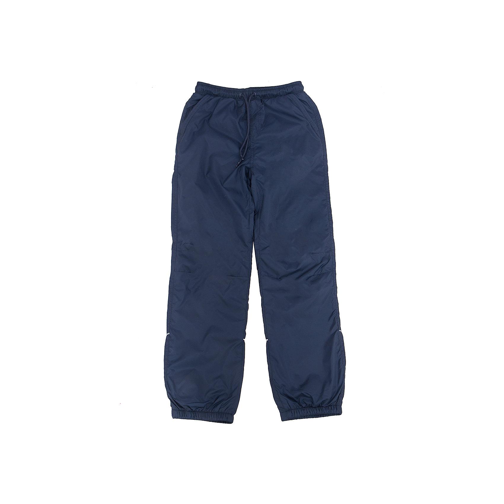 Брюки для мальчика SELAСпортивная одежда<br>Характеристики товара:<br><br>• цвет: тёмно-синий<br>• состав: верх: 100% полиэстер, подкладка: 100% полиэстер<br>• температурный режим: от +5° до +15°С<br>• подкладка флис<br>• спортивный стиль<br>• имитация ширинки<br>• светоотражающие детали<br>• два втачных кармана<br>• сзади два накладных кармана на кнопке<br>• пояс: мягкая резинка со шнурком<br>• коллекция весна-лето 2017<br>• страна бренда: Российская Федерация<br><br>Вещи из новой коллекции SELA продолжают радовать удобством! Спортивные брюки помогут разнообразить гардероб и обеспечить комфорт. Они отлично сочетаются с майками, футболками, куртками. В составе материала - натуральный хлопок.<br><br>Одежда, обувь и аксессуары от российского бренда SELA не зря пользуются большой популярностью у детей и взрослых! Модели этой марки - стильные и удобные, цена при этом неизменно остается доступной. Для их производства используются только безопасные, качественные материалы и фурнитура. Новая коллекция поддерживает хорошие традиции бренда! <br><br>Брюки для мальчика от популярного бренда SELA (СЕЛА) можно купить в нашем интернет-магазине.<br><br>Ширина мм: 215<br>Глубина мм: 88<br>Высота мм: 191<br>Вес г: 336<br>Цвет: синий<br>Возраст от месяцев: 84<br>Возраст до месяцев: 96<br>Пол: Мужской<br>Возраст: Детский<br>Размер: 128,134,140,146,152,122<br>SKU: 5302680