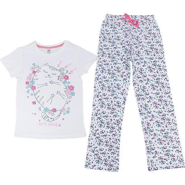 Пижама для девочки SELAПижамы и сорочки<br>Характеристики товара:<br><br>• цвет: молочный<br>• состав: 100% хлопок<br>• комплектация: футболка, брюки<br>• короткие рукава<br>• принт<br>• пояс: мягкая резинка и шнурок<br>• коллекция весна-лето 2017<br>• страна бренда: Российская Федерация<br>• страна производства: Индия<br><br>Вещи из новой коллекции SELA продолжают радовать удобством! Симпатичная пижама поможет обеспечить ребенку комфорт - она очень удобно сидит на теле. В составе материала - натуральный хлопок. Отличная одежда для комфортного сна!<br><br>Одежда, обувь и аксессуары от российского бренда SELA не зря пользуются большой популярностью у детей и взрослых! Модели этой марки - стильные и удобные, цена при этом неизменно остается доступной. Для их производства используются только безопасные, качественные материалы и фурнитура. Новая коллекция поддерживает хорошие традиции бренда! <br><br>Пижаму для девочки от популярного бренда SELA (СЕЛА) можно купить в нашем интернет-магазине.<br>Ширина мм: 281; Глубина мм: 70; Высота мм: 188; Вес г: 295; Цвет: белый; Возраст от месяцев: 24; Возраст до месяцев: 36; Пол: Женский; Возраст: Детский; Размер: 128/134,92/98,140/146,116/122,104/110; SKU: 5302851;