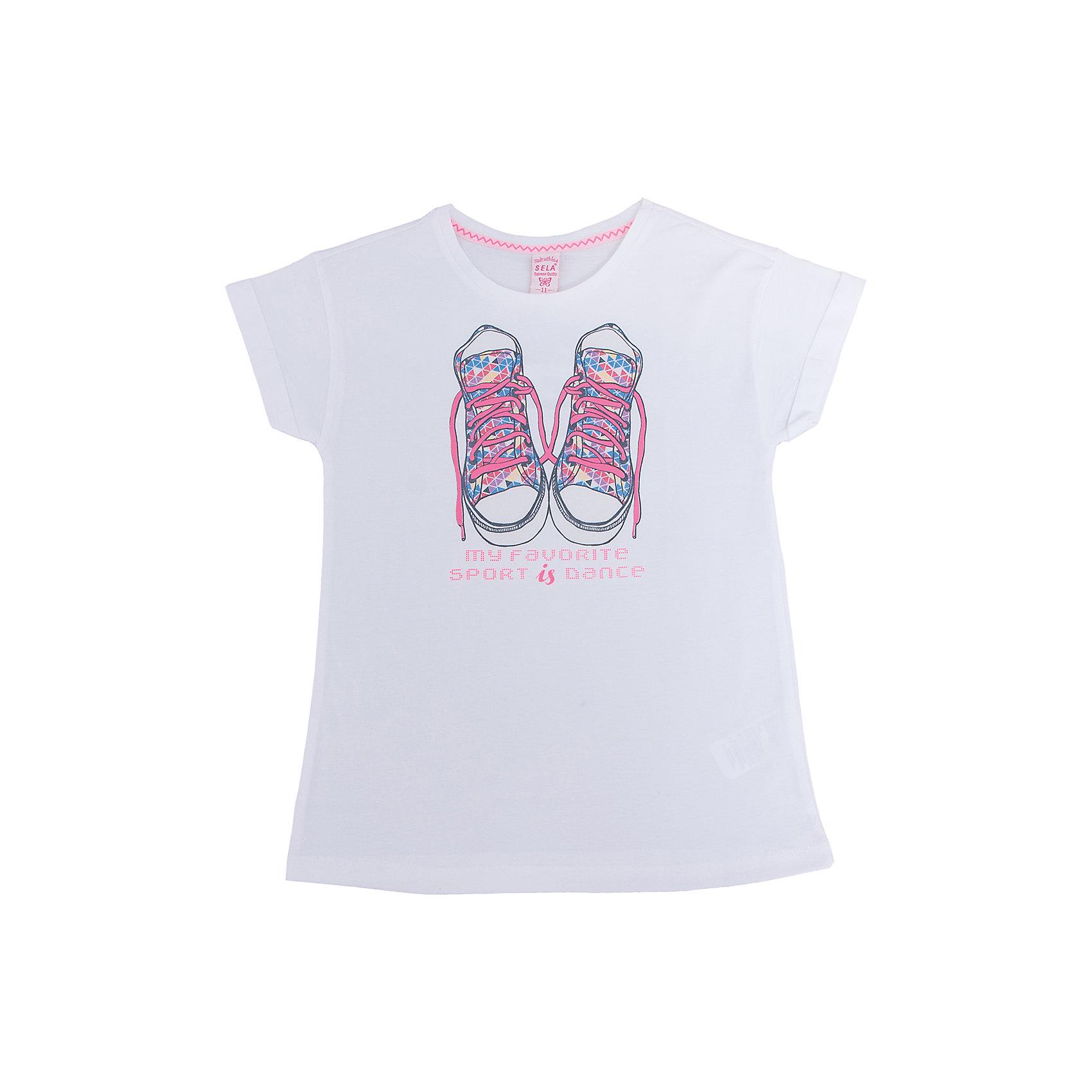 Футболка для девочки SELAХарактеристики товара:<br><br>• цвет: белый<br>• состав: 100% хлопок<br>• декорирована принтом<br>• короткие рукава<br>• округлый горловой вырез<br>• коллекция весна-лето 2017<br>• страна бренда: Российская Федерация<br><br>В новой коллекции SELA отличные модели одежды! Эта футболка для девочки поможет разнообразить гардероб ребенка и обеспечить комфорт. Она отлично сочетается с юбками и брюками. Удобная базовая вещь!<br><br>Одежда, обувь и аксессуары от российского бренда SELA не зря пользуются большой популярностью у детей и взрослых! Модели этой марки - стильные и удобные, цена при этом неизменно остается доступной. Для их производства используются только безопасные, качественные материалы и фурнитура. Новая коллекция поддерживает хорошие традиции бренда! <br><br>Футболку для девочки от популярного бренда SELA (СЕЛА) можно купить в нашем интернет-магазине.<br><br>Ширина мм: 230<br>Глубина мм: 40<br>Высота мм: 220<br>Вес г: 250<br>Цвет: белый<br>Возраст от месяцев: 96<br>Возраст до месяцев: 108<br>Пол: Женский<br>Возраст: Детский<br>Размер: 134,152,140,146,116,122,128<br>SKU: 5303475