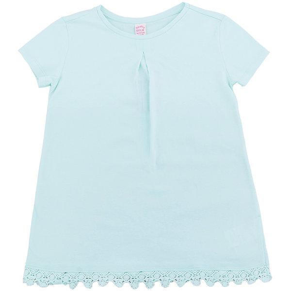 Футболка  для девочки SELAФутболки, поло и топы<br>Характеристики товара:<br><br>• цвет: бирюзовый<br>• состав: 100% хлопок<br>• декорирована кружевом<br>• короткие рукава<br>• округлый горловой вырез<br>• страна бренда: Российская Федерация<br><br>В новой коллекции SELA отличные модели одежды! Эта футболка для девочки поможет разнообразить гардероб ребенка и обеспечить комфорт. Она отлично сочетается с юбками и брюками. Стильная и удобная вещь!<br><br>Футболку для девочки от популярного бренда SELA (СЕЛА) можно купить в нашем интернет-магазине.<br><br>Ширина мм: 230<br>Глубина мм: 40<br>Высота мм: 220<br>Вес г: 250<br>Цвет: зеленый<br>Возраст от месяцев: 60<br>Возраст до месяцев: 72<br>Пол: Женский<br>Возраст: Детский<br>Размер: 116,128,122,152,140,134,146<br>SKU: 5303610