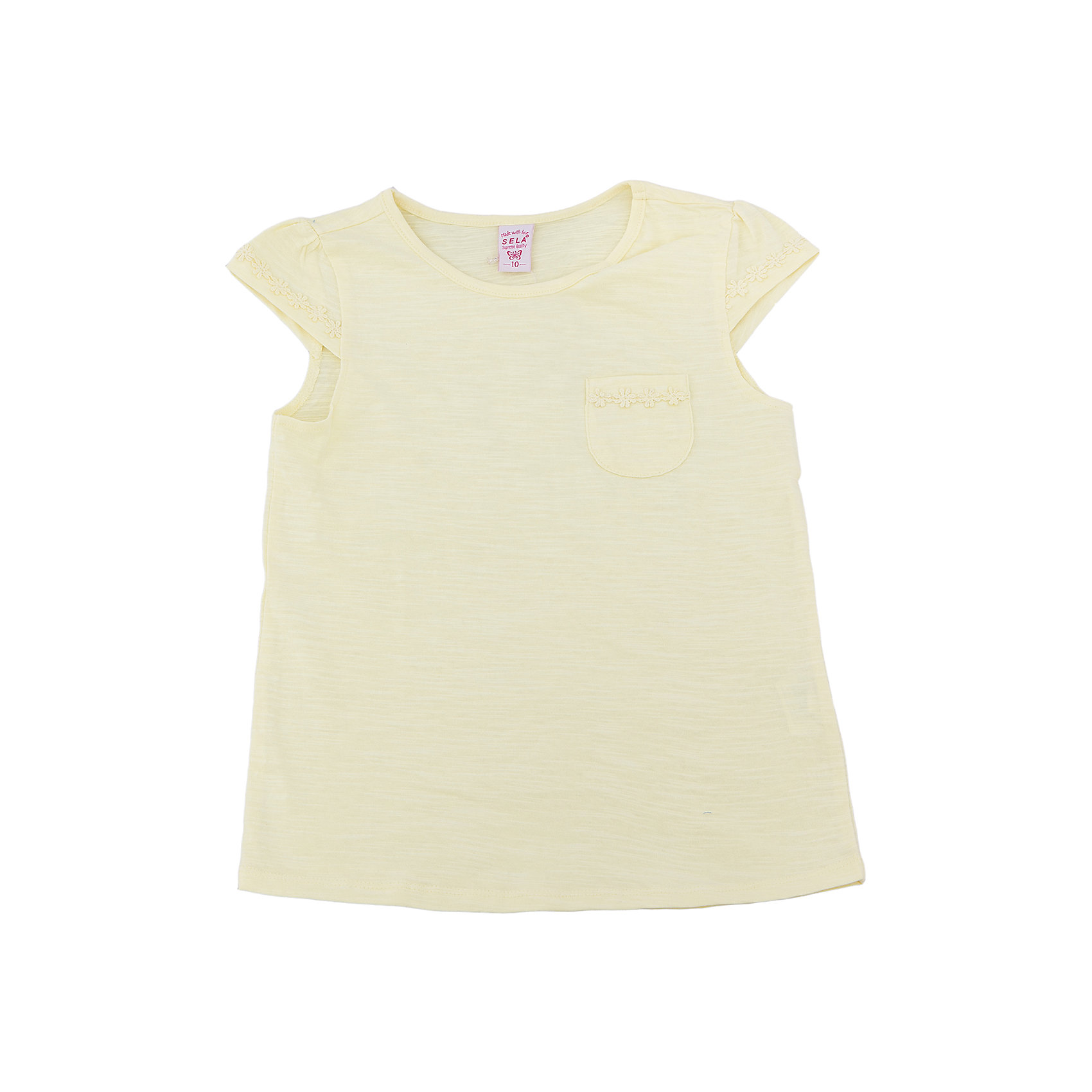 Футболка  для девочки SELAФутболки, поло и топы<br>Характеристики товара:<br><br>• цвет: светло-желтый<br>• состав: 100% хлопок<br>• карман на груди<br>• короткие рукава<br>• округлый горловой вырез<br>• страна бренда: Российская Федерация<br><br>В новой коллекции SELA отличные модели одежды! Эта футболка для девочки поможет разнообразить гардероб ребенка и обеспечить комфорт. Она отлично сочетается с юбками и брюками. Стильная и удобная вещь!<br><br>Футболку для девочки от популярного бренда SELA (СЕЛА) можно купить в нашем интернет-магазине.<br><br>Ширина мм: 230<br>Глубина мм: 40<br>Высота мм: 220<br>Вес г: 250<br>Цвет: желтый<br>Возраст от месяцев: 108<br>Возраст до месяцев: 120<br>Пол: Женский<br>Возраст: Детский<br>Размер: 140,134,146,152,116,122,128<br>SKU: 5303626