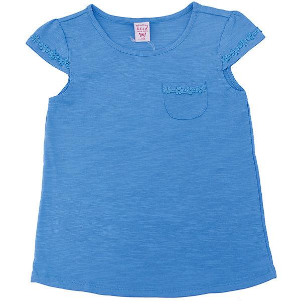 Футболка  для девочки SELAФутболки, поло и топы<br>Характеристики товара:<br><br>• цвет: синий<br>• состав: 100% хлопок<br>• карман на груди<br>• короткие рукава<br>• округлый горловой вырез<br>• страна бренда: Российская Федерация<br><br>В новой коллекции SELA отличные модели одежды! Эта футболка для девочки поможет разнообразить гардероб ребенка и обеспечить комфорт. Она отлично сочетается с юбками и брюками. Стильная и удобная вещь!<br><br>Футболку для девочки от популярного бренда SELA (СЕЛА) можно купить в нашем интернет-магазине.<br>Ширина мм: 230; Глубина мм: 40; Высота мм: 220; Вес г: 250; Цвет: синий; Возраст от месяцев: 108; Возраст до месяцев: 120; Пол: Женский; Возраст: Детский; Размер: 140,134,128,122,116,152,146; SKU: 5303634;