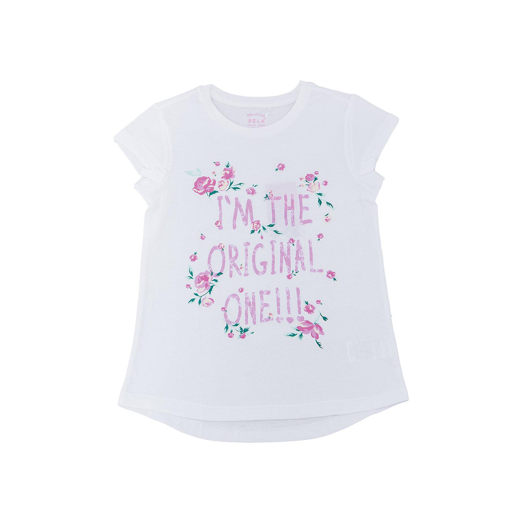 Футболка для девочки SELAФутболки, поло и топы<br>Характеристики товара:<br><br>• цвет: белый<br>• состав: 100% хлопок<br>• принт<br>• короткие рукава<br>• округлый горловой вырез<br>• страна бренда: Российская Федерация<br><br>В новой коллекции SELA отличные модели одежды! Эта футболка для девочки поможет разнообразить гардероб ребенка и обеспечить комфорт. Она отлично сочетается с юбками и брюками. Стильная и удобная вещь!<br><br>Футболку для девочки от популярного бренда SELA (СЕЛА) можно купить в нашем интернет-магазине.<br><br>Ширина мм: 230<br>Глубина мм: 40<br>Высота мм: 220<br>Вес г: 250<br>Цвет: белый<br>Возраст от месяцев: 96<br>Возраст до месяцев: 108<br>Пол: Женский<br>Возраст: Детский<br>Размер: 134,140,146,152,122,128<br>SKU: 5303649