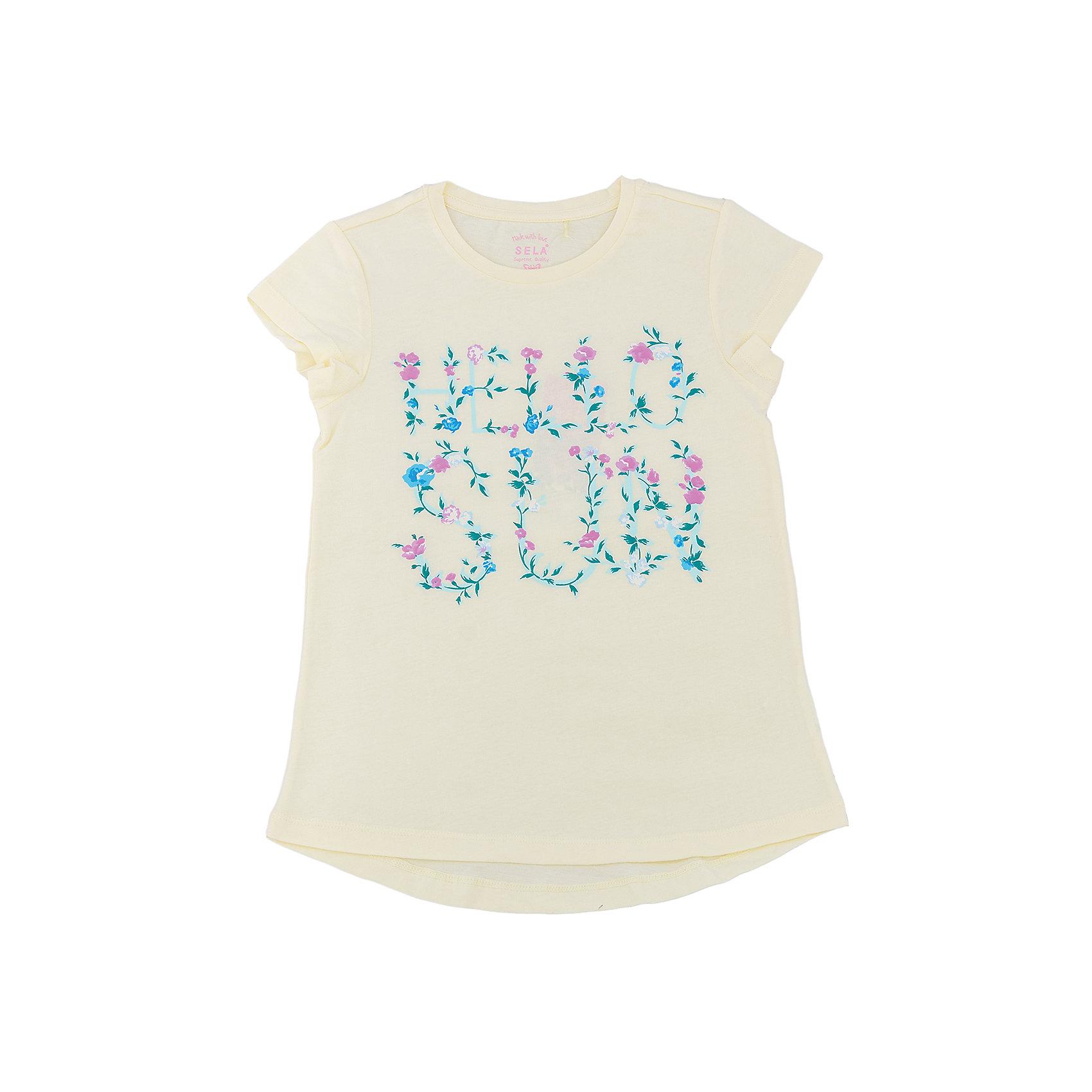 Футболка для девочки SELAФутболки, поло и топы<br>Характеристики товара:<br><br>• цвет: светло-желтый<br>• состав: 100% хлопок<br>• принт<br>• короткие рукава<br>• округлый горловой вырез<br>• страна бренда: Российская Федерация<br><br>В новой коллекции SELA отличные модели одежды! Эта футболка для девочки поможет разнообразить гардероб ребенка и обеспечить комфорт. Она отлично сочетается с юбками и брюками. Стильная и удобная вещь!<br><br>Футболку для девочки от популярного бренда SELA (СЕЛА) можно купить в нашем интернет-магазине.<br><br>Ширина мм: 230<br>Глубина мм: 40<br>Высота мм: 220<br>Вес г: 250<br>Цвет: желтый<br>Возраст от месяцев: 72<br>Возраст до месяцев: 84<br>Пол: Женский<br>Возраст: Детский<br>Размер: 122,128,134,140,146,152<br>SKU: 5303656