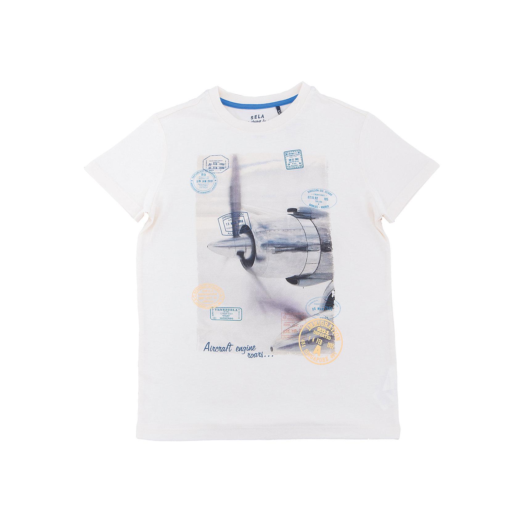 Футболка  для мальчика SELAФутболки, поло и топы<br>Характеристики товара:<br><br>• цвет: молочный<br>• состав: 100% хлопок<br>• принт<br>• короткие рукава<br>• округлый горловой вырез<br>• коллекция весна-лето 2017<br>• страна бренда: Российская Федерация<br><br>В новой коллекции SELA отличные модели одежды! Эта футболка для мальчика поможет разнообразить гардероб ребенка и обеспечить комфорт. Она отлично сочетается с джинсами и брюками. Удобная базовая вещь!<br><br>Одежда, обувь и аксессуары от российского бренда SELA не зря пользуются большой популярностью у детей и взрослых! Модели этой марки - стильные и удобные, цена при этом неизменно остается доступной. Для их производства используются только безопасные, качественные материалы и фурнитура. Новая коллекция поддерживает хорошие традиции бренда! <br><br>Футболку для мальчика от популярного бренда SELA (СЕЛА) можно купить в нашем интернет-магазине.<br><br>Ширина мм: 230<br>Глубина мм: 40<br>Высота мм: 220<br>Вес г: 250<br>Цвет: серый<br>Возраст от месяцев: 96<br>Возраст до месяцев: 108<br>Пол: Мужской<br>Возраст: Детский<br>Размер: 134,140,146,152,116,122,128<br>SKU: 5304009