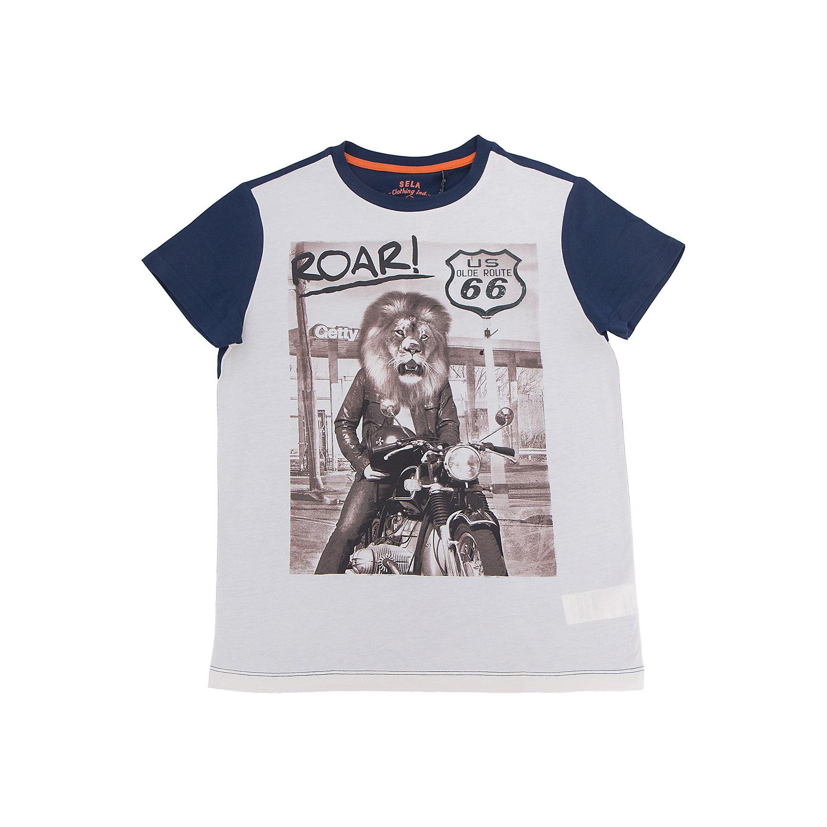 Футболка для мальчика SELAФутболки, поло и топы<br>Характеристики товара:<br><br>• цвет: серый<br>• состав: 100% хлопок<br>• принт<br>• короткие рукава<br>• округлый горловой вырез<br>• страна бренда: Российская Федерация<br><br>В новой коллекции SELA отличные модели одежды! Эта футболка для мальчика поможет разнообразить гардероб ребенка и обеспечить комфорт.Удобная базовая вещь!<br><br>Футболку для мальчика от популярного бренда SELA (СЕЛА) можно купить в нашем интернет-магазине.<br><br>Ширина мм: 230<br>Глубина мм: 40<br>Высота мм: 220<br>Вес г: 250<br>Цвет: серый<br>Возраст от месяцев: 60<br>Возраст до месяцев: 72<br>Пол: Мужской<br>Возраст: Детский<br>Размер: 116,152,146,134,140,128,122<br>SKU: 5304041