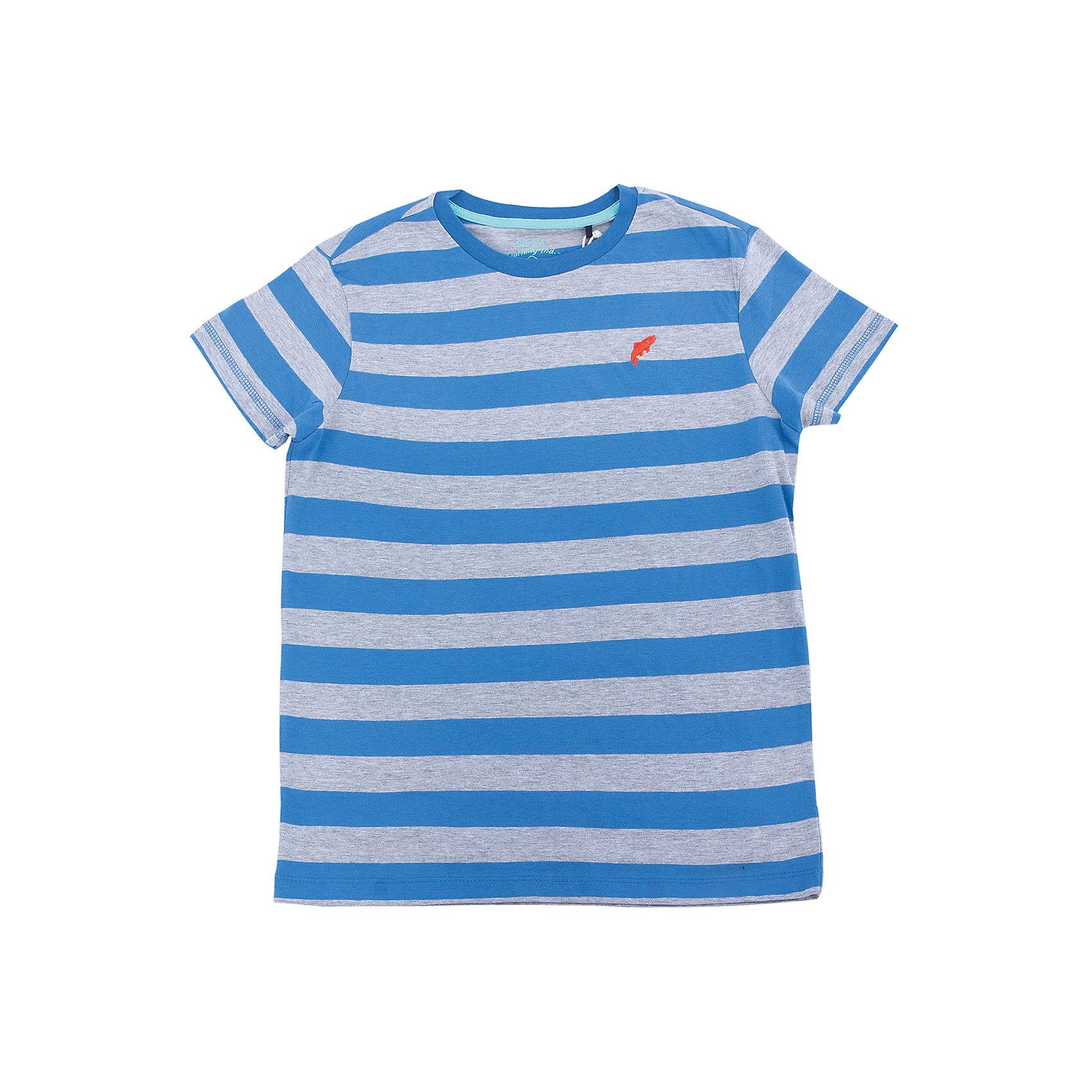 Футболка для мальчика SELAФутболки, поло и топы<br>Характеристики товара:<br><br>• цвет: индиго в полоску<br>• сезон: лето<br>• рукава короткие<br>• округлый горловой вырез<br>• страна бренда: Россия<br><br>Вещи из новой коллекции SELA продолжают радовать удобством! Эта футболка для мальчика поможет разнообразить гардероб ребенка и обеспечить комфорт. Она отлично сочетается с шортами и брюками. Стильная и удобная вещь!<br><br>Футболку для мальчика от популярного бренда SELA (СЕЛА) можно купить в нашем интернет-магазине.<br><br>Ширина мм: 230<br>Глубина мм: 40<br>Высота мм: 220<br>Вес г: 250<br>Цвет: синий<br>Возраст от месяцев: 108<br>Возраст до месяцев: 120<br>Пол: Мужской<br>Возраст: Детский<br>Размер: 140,146,152,122,128,134<br>SKU: 5304116