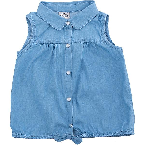 Блузка джинсовая для девочки SELAДжинсовая одежда<br>Характеристики товара:<br><br>• цвет: голубой<br>• сезон: лето<br>• состав:  100% хлопок<br>• застежки-кнопки<br>• комфортная посадка<br>• без рукавов<br>• отложной воротник<br>• страна бренда: Россия<br><br>Вещи из новой коллекции SELA продолжают радовать удобством! Эта блузка для девочки поможет разнообразить гардероб ребенка и обеспечить комфорт.<br><br>Одежда, обувь и аксессуары от российского бренда SELA не зря пользуются большой популярностью у детей и взрослых! Модели этой марки - стильные и удобные, цена при этом неизменно остается доступной. Для их производства используются только безопасные, качественные материалы и фурнитура. <br><br>Блузку для девочки от популярного бренда SELA (СЕЛА) можно купить в нашем интернет-магазине.<br><br>Ширина мм: 186<br>Глубина мм: 87<br>Высота мм: 198<br>Вес г: 197<br>Цвет: голубой<br>Возраст от месяцев: 36<br>Возраст до месяцев: 48<br>Пол: Женский<br>Возраст: Детский<br>Размер: 104,92,116,110,98<br>SKU: 5305015