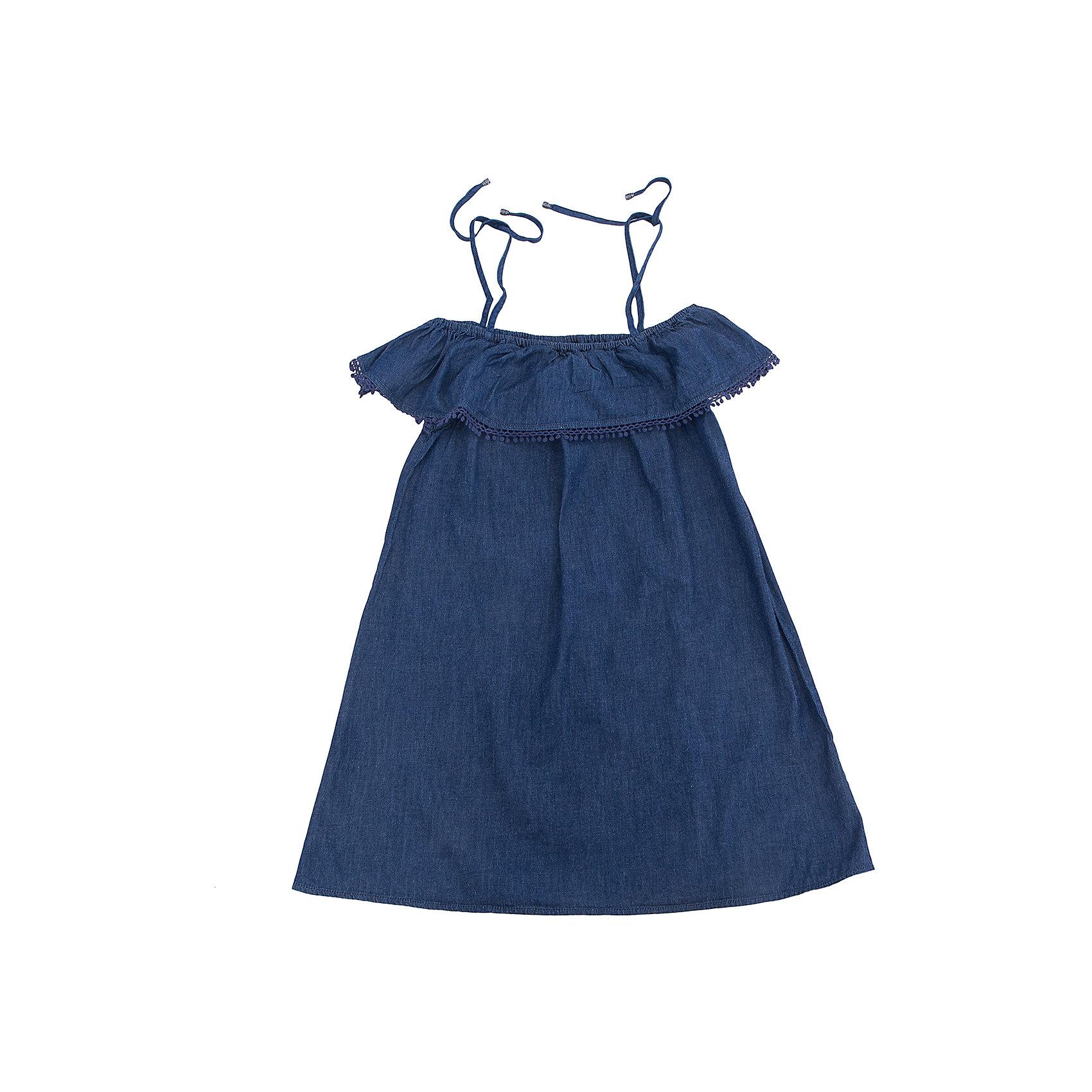 Платье для девочки SELAПлатья и сарафаны<br>Характеристики товара:<br><br>• цвет: синий<br>• сезон: лето<br>• состав: 100% хлопок<br>• декоировано кружевом<br>• длина выше колена<br>• открытые плчеи<br>• страна бренда: Россия<br><br>В новой коллекции SELA отличные модели одежды! Это платье для девочки поможет разнообразить гардероб ребенка и обеспечить комфорт. Оно отлично сочетается с различной обувью. <br><br>Одежда, обувь и аксессуары от российского бренда SELA не зря пользуются большой популярностью у детей и взрослых! Модели этой марки - стильные и удобные, цена при этом неизменно остается доступной. Для их производства используются только безопасные, качественные материалы и фурнитура.<br><br>Платье для девочки от популярного бренда SELA (СЕЛА) можно купить в нашем интернет-магазине.<br><br>Ширина мм: 236<br>Глубина мм: 16<br>Высота мм: 184<br>Вес г: 177<br>Цвет: синий джинс<br>Возраст от месяцев: 108<br>Возраст до месяцев: 120<br>Пол: Женский<br>Возраст: Детский<br>Размер: 140,134,146,152,122,128<br>SKU: 5305279