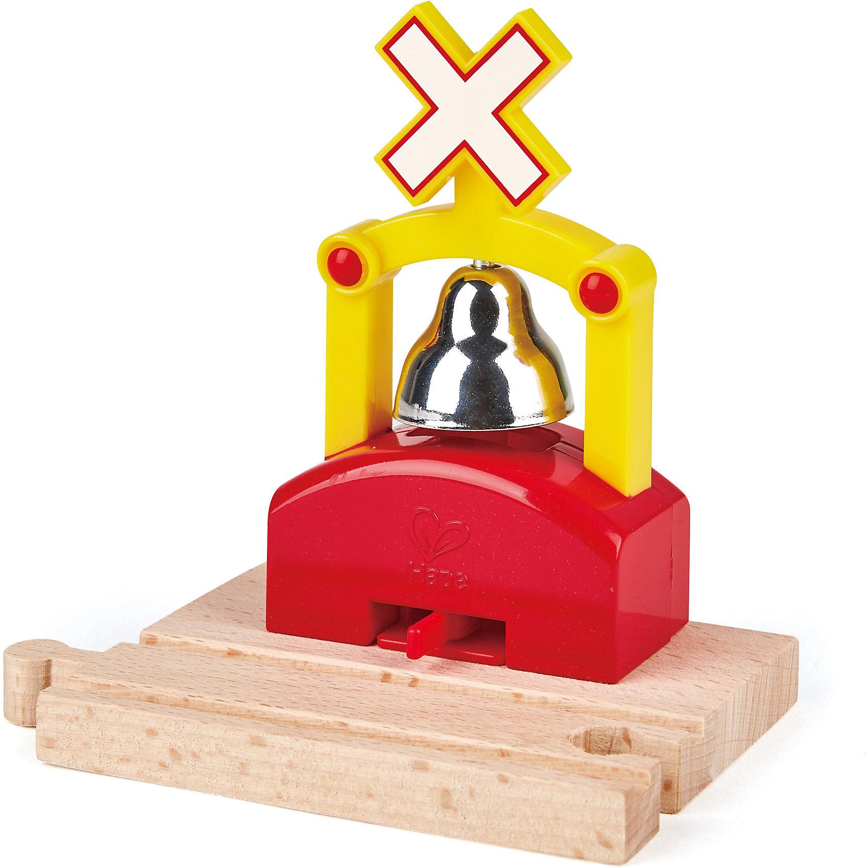 Дополнительный элемент Переезд, HapeИгрушечная железная дорога<br>Дополнительный элемент Переезд, Hape (Хейп).<br><br>Характеристики:<br><br>- Размер: 12,6х9х12,5 см.<br>- Материал: древесина<br><br>Дополнительный элемент переезд позволит значительно улучшить конфигурацию деревянной железной дороги от Hape (Хейп). Он легко присоединяется к любой железной дороге Hape (E3700, E3712, E3713). При пересечении железнодорожным составом переезда раздается предупреждающий сигнал. Дополнительный элемент Переезд изготовлен из отлично отшлифованного, натурального дерева, окрашенного нетоксичной краской.<br><br>Дополнительный элемент Переезд, Hape (Хейп) можно купить в нашем интернет-магазине.<br><br>Ширина мм: 90<br>Глубина мм: 140<br>Высота мм: 240<br>Вес г: 300<br>Возраст от месяцев: 36<br>Возраст до месяцев: 84<br>Пол: Мужской<br>Возраст: Детский<br>SKU: 5309157