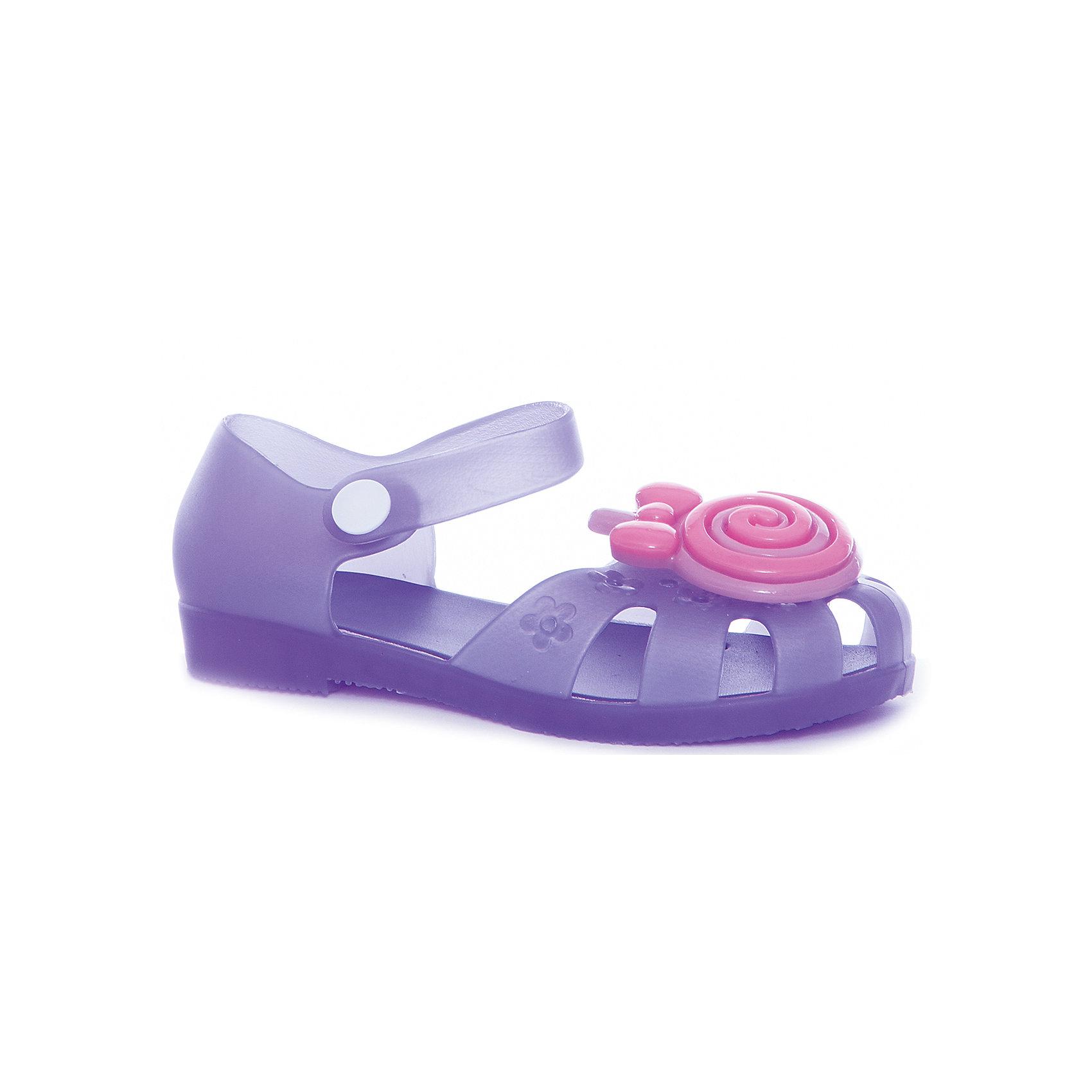 Сандалии для девочки MURSUПляжная обувь<br>Характеристики товара:<br><br>• цвет: фиолетовый<br>• внешний материал: ПВХ<br>• внутренний материал: ПВХ<br>• стелька: ПВХ<br>• подошва: ПВХ<br>• облегчённая модель<br>• подходит для пляжа <br>• можно плавать и ходить по камням не боясь пораниться<br>• отверстия для вентиляции<br>• устойчивая подошва<br>• страна бренда: Финляндия<br>• страна изготовитель: Китай<br><br>Детям для правильного развития стопы и всего организма необходима качественная обувь. Эта удобная пляжная обувь поможет создать ногам ребенка комфортные условия, благодаря продуманной конструкции она отлично сидит на ноге. Это отличный вариант правильной и красивой детской обуви!<br><br>Туфли от финского бренда MURSU (МУРСУ) можно купить в нашем интернет-магазине.<br><br>Ширина мм: 248<br>Глубина мм: 135<br>Высота мм: 147<br>Вес г: 256<br>Цвет: фиолетовый<br>Возраст от месяцев: 21<br>Возраст до месяцев: 24<br>Пол: Женский<br>Возраст: Детский<br>Размер: 24,29,25,26,27,28<br>SKU: 5326107