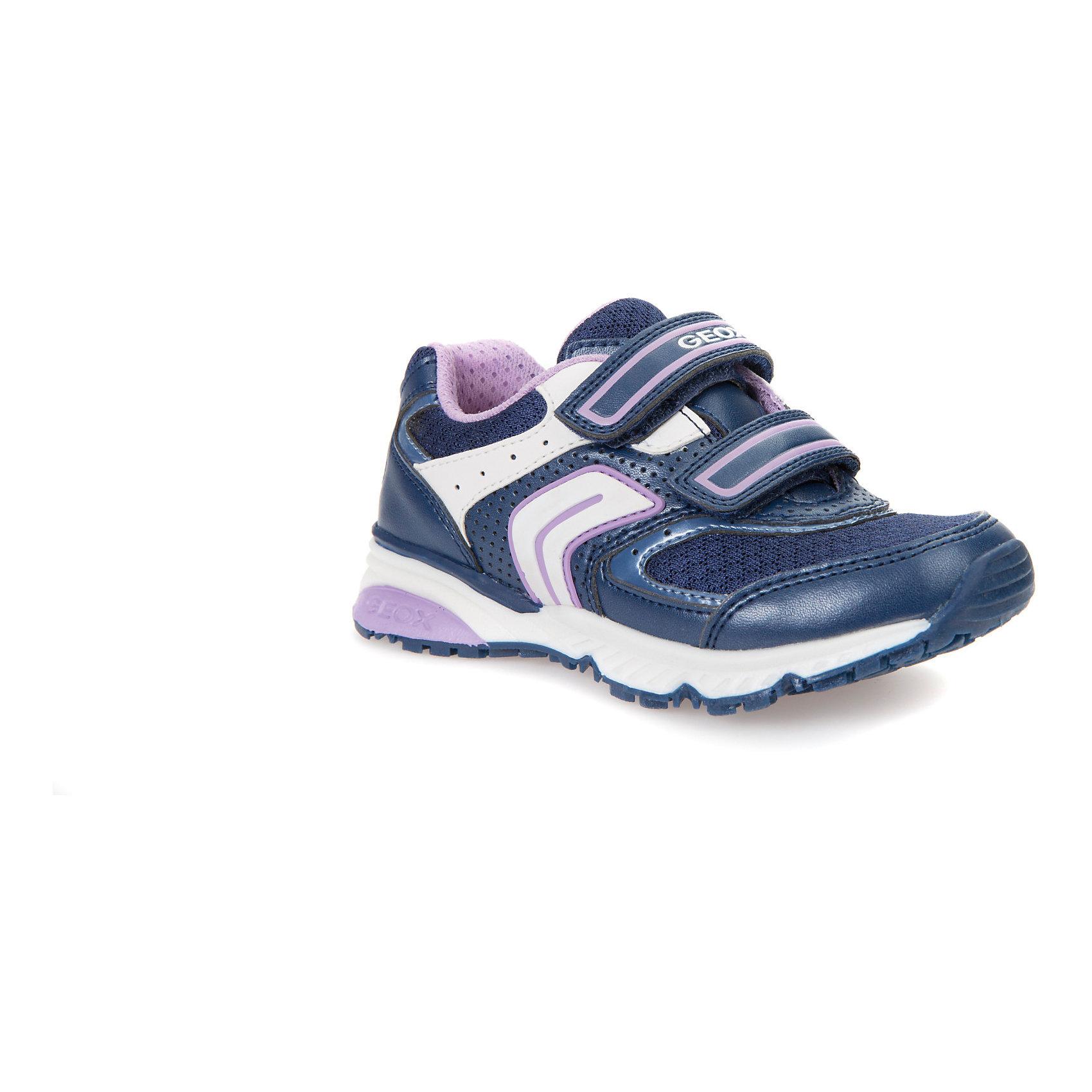 Кроссовки для девочки GEOXКроссовки<br>Характеристики товара:<br><br>• цвет: синий<br>• внешний материал: искусственные материалы<br>• внутренний материал: текстиль<br>• стелька: текстиль, искусственные материалы<br>• подошва: полимер<br>• высота подошвы: 2,5 см.<br>• застежка: липучка<br>• дышащие<br>• защита носка<br>• устойчивая подошва<br>• мембранная технология<br>• декорированы логотипом<br>• коллекция: весна-лето 2017<br>• страна бренда: Италия<br><br>Модные удобные кроссовки помогут обеспечить ребенку комфорт и дополнить наряд. Универсальный цвет позволяет надевать их под одежду разных расцветок. Кроссовки удобно сидят на ноге и очень стильно смотрятся. Отличный вариант для прогулок и занятий спортом!<br><br>Обувь от бренда GEOX - это классический пример итальянского стиля и высокого качества, известных по всему миру. Модели этой марки - неизменно модные и комфортные. Для их производства используются только безопасные, качественные материалы и фурнитура. Отличие этой линейки обуви - мембранная технология, которая обеспечивает естественное дыхание обуви и в то же время не пропускает воду. Это особенно важно для детской обуви!<br><br>Кроссовки от итальянского бренда GEOX (ГЕОКС) можно купить в нашем интернет-магазине.<br><br>Ширина мм: 262<br>Глубина мм: 176<br>Высота мм: 97<br>Вес г: 427<br>Цвет: синий<br>Возраст от месяцев: 96<br>Возраст до месяцев: 108<br>Пол: Женский<br>Возраст: Детский<br>Размер: 32,27,28,29,30,31<br>SKU: 5334436