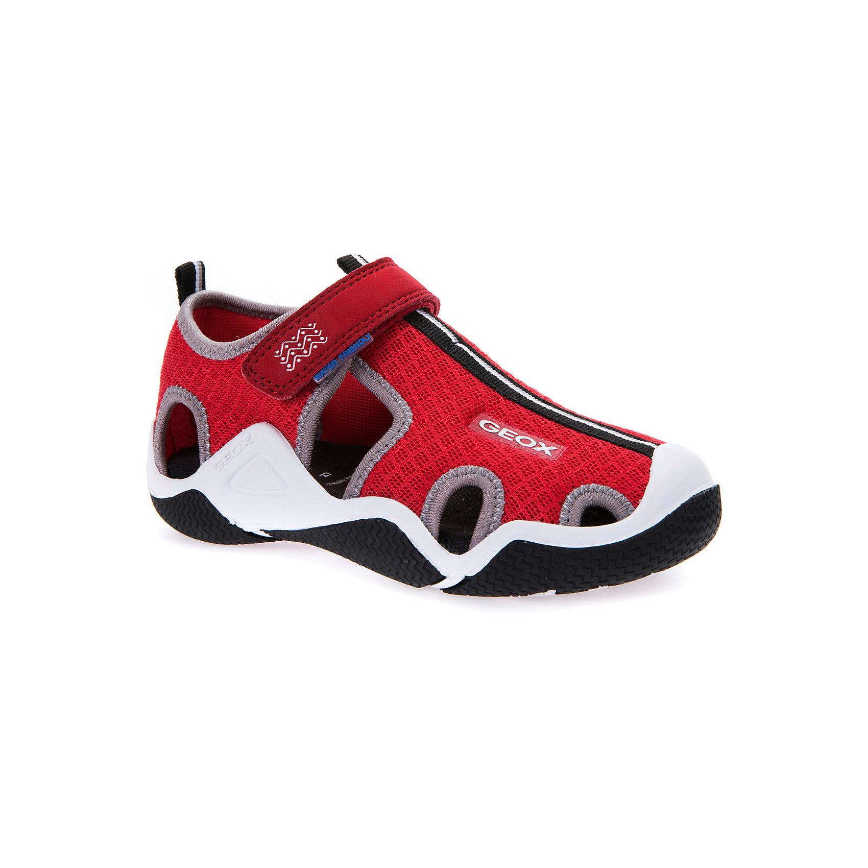 Сандалии для мальчика GEOXСандалии<br>Характеристики товара:<br><br>• цвет: красный<br>• внешний материал: текстиль<br>• внутренний материал: текстиль<br>• стелька: текстиль<br>• подошва: резина<br>• застежка: липучка<br>• закрытый носок<br>• спортивный стиль<br>• устойчивая подошва<br>• мембранная технология<br>• декорированы логотипом<br>• коллекция: весна-лето 2017<br>• страна бренда: Италия<br><br>Легкие удобные сандали помогут обеспечить ребенку комфорт и дополнить наряд. Универсальный цвет позволяет надевать их под одежду разных расцветок. Сандали удобно сидят на ноге и стильно смотрятся. Отличный вариант для жаркой погоды!<br><br>Обувь от бренда GEOX - это классический пример итальянского стиля и высокого качества, известных по всему миру. Модели этой марки - неизменно модные и комфортные. Для их производства используются только безопасные, качественные материалы и фурнитура. Отличие этой линейки обуви - мембранная технология, которая обеспечивает естественное дыхание обуви и в то же время не пропускает воду. Это особенно важно для детской обуви!<br><br>Сандали от итальянского бренда GEOX (ГЕОКС) можно купить в нашем интернет-магазине.<br><br>Ширина мм: 262<br>Глубина мм: 176<br>Высота мм: 97<br>Вес г: 427<br>Цвет: красный<br>Возраст от месяцев: 120<br>Возраст до месяцев: 132<br>Пол: Мужской<br>Возраст: Детский<br>Размер: 34,26,27,28,29,30,31,32,33<br>SKU: 5335246