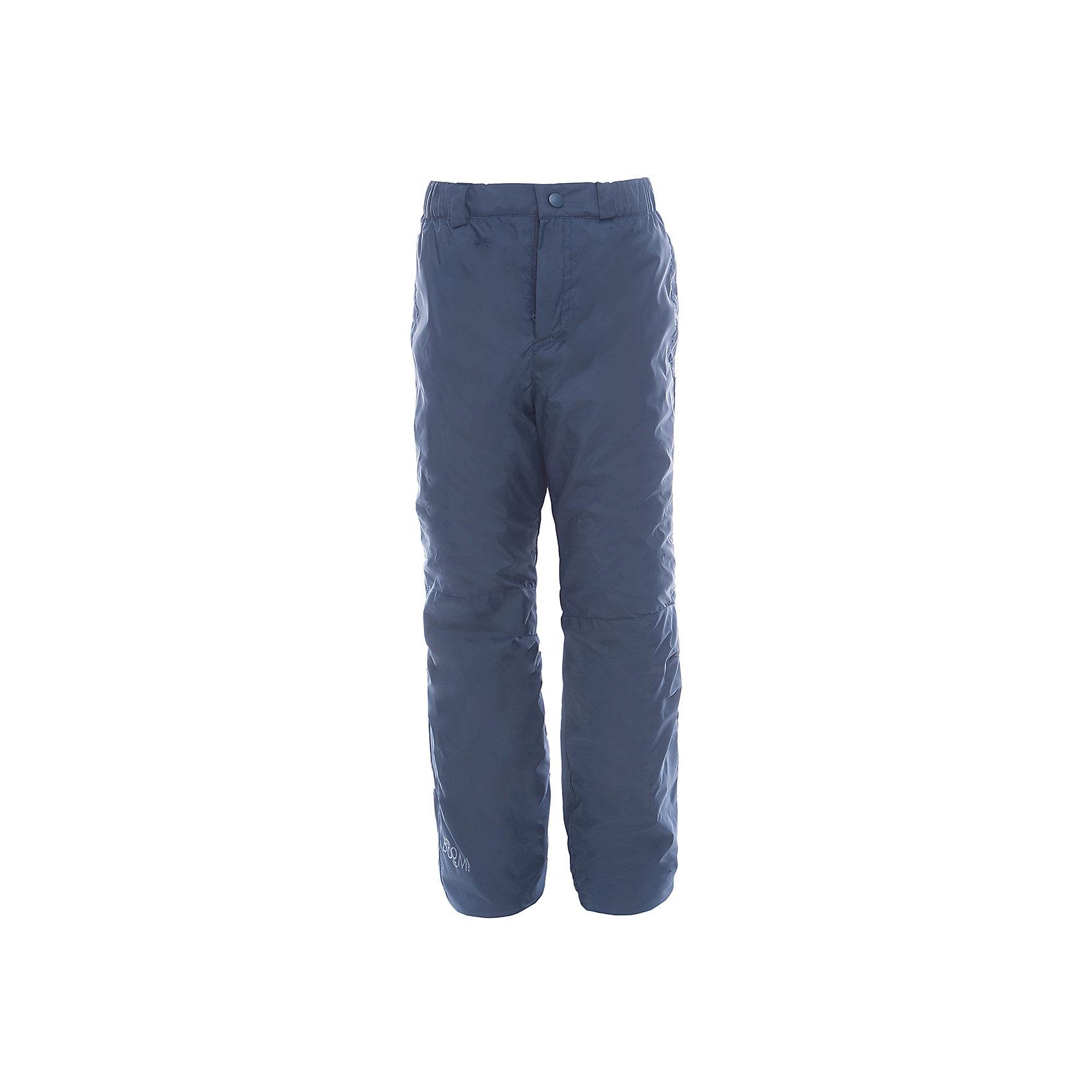Брюки для мальчика BOOM by OrbyВерхняя одежда<br>Характеристики товара:<br><br>• цвет: синий<br>• состав: верх - таффета, подкладка - флис, без утеплителя<br>• температурный режим: от +5° до +15°С<br>• до 122 роста комплектуются съемными эластичными бретелями.<br>• с 128 роста есть регулировка по полноте и ширинка.<br>• небольшой логотип<br>• комфортная посадка<br>• страна производства: Российская Федерация<br>• страна бренда: Российская Федерация<br>• коллекция: весна-лето 2017<br><br>Такие брюки - универсальный вариант для межсезонья с постоянно меняющейся погодой. Эта модель - модная и удобная одновременно! Изделие отличается стильным продуманным дизайном. Брюки хорошо сидят по фигуре, отлично сочетаются с различным верхом. Вещь была разработана специально для детей.<br><br>Брюки для мальчика от бренда BOOM by Orby можно купить в нашем интернет-магазине.<br><br>Ширина мм: 215<br>Глубина мм: 88<br>Высота мм: 191<br>Вес г: 336<br>Цвет: синий<br>Возраст от месяцев: 84<br>Возраст до месяцев: 96<br>Пол: Мужской<br>Возраст: Детский<br>Размер: 128,134,140,146,152,158,104,110,92,98,116,122<br>SKU: 5343932