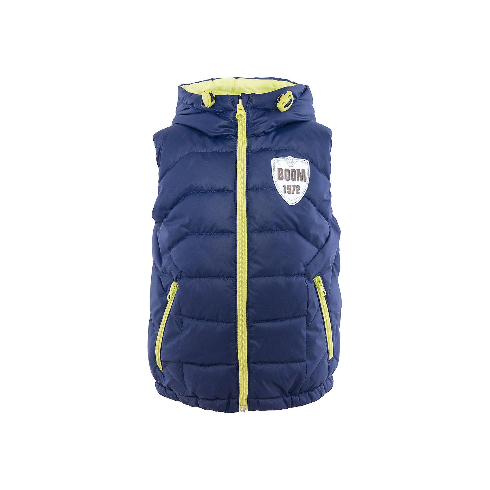 Жилет для мальчика BOOM by OrbyВерхняя одежда<br>Характеристики товара:<br><br>• цвет: синий<br>• состав: 100% полиэстер; верх - болонь, подкладка - поликоттон, полиэстер, утеплитель: эко-синтепон 150 г/м2<br>• температурный режим: от +15°до +5°С<br>• пропитка от промокания<br>• застежка - молния<br>• капюшон (не отстегивается)<br>• украшен нашивкой<br>• карманы<br>• комфортная посадка<br>• страна производства: Российская Федерация<br>• страна бренда: Российская Федерация<br>• коллекция: весна-лето 2017<br><br>Такой жилет - универсальный вариант и для прохладного летнего вечера, и для теплого межсезонья. Эта модель - модная и удобная одновременно! Изделие отличается стильным ярким дизайном. Жилет хорошо сидит по фигуре, отлично сочетается с различным низом. Вещь была разработана специально для детей.<br><br>Одежда от российского бренда BOOM by Orby уже завоевала популярностью у многих детей и их родителей. Вещи, выпускаемые компанией, качественные, продуманные и очень удобные. Для производства коллекций используются только безопасные для детей материалы. Спешите приобрести модели из новой коллекции Весна-лето 2017! <br><br>Жилет для мальчика от бренда BOOM by Orby можно купить в нашем интернет-магазине.<br><br>Ширина мм: 356<br>Глубина мм: 10<br>Высота мм: 245<br>Вес г: 519<br>Цвет: синий<br>Возраст от месяцев: 36<br>Возраст до месяцев: 48<br>Пол: Мужской<br>Возраст: Детский<br>Размер: 104,158,98,110,92,116,122,128,134,140,146,152<br>SKU: 5343971