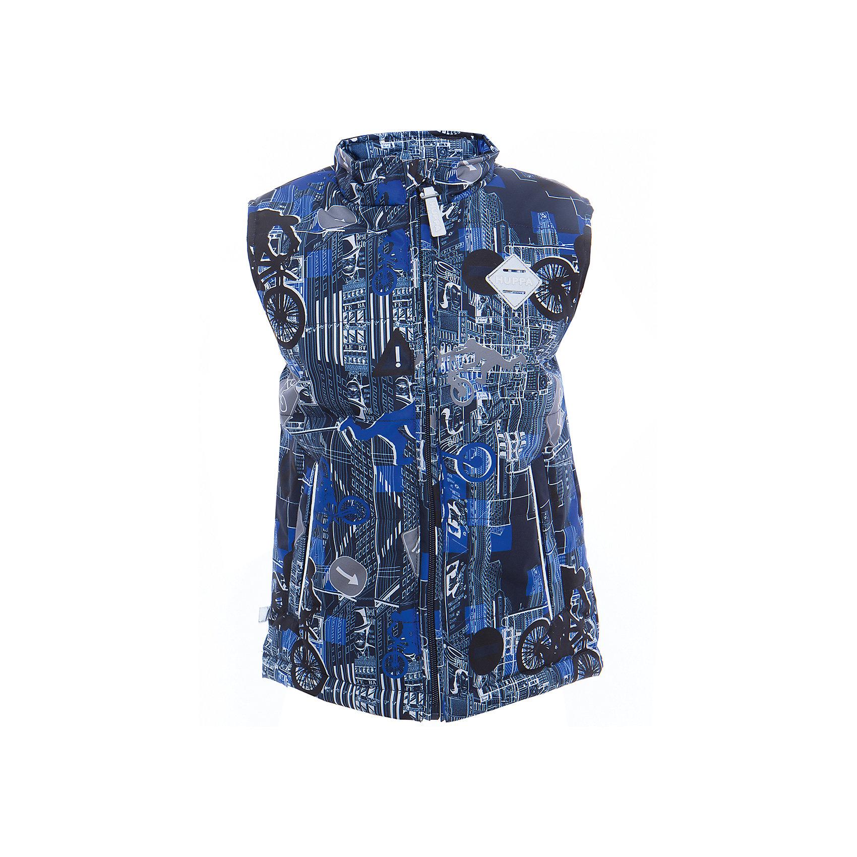 Жилет STEVE для мальчика HuppaВерхняя одежда<br>Характеристики товара:<br><br>• цвет: синий принт<br>• ткань: 100% полиэстер<br>• подкладка: тафта - 100% полиэстер<br>• утеплитель: 100% полиэстер 120 г<br>• температурный режим: от +5°до +15°С<br>• водонепроницаемость: 10000 мм<br>• воздухопроницаемость: 10000 мм <br>• воротник-стойка<br>• карманы на молнии<br>• логотип<br>• молния с защитой подбородка<br>• светоотражательные детали<br>• коллекция: весна-лето 2017<br>• страна бренда: Эстония<br><br>Такой модный жилет обеспечит детям тепло и комфорт. Он сделан из материала, отталкивающего воду, и дополнен подкладкой с утеплителем, поэтому изделие идеально подходит для межсезонья. Материал изделий - с мембранной технологией: защищая от влаги и ветра, он легко выводит лишнюю влагу наружу. Жилет очень симпатично смотрится. <br><br>Одежда и обувь от популярного эстонского бренда Huppa - отличный вариант одеть ребенка можно и комфортно. Вещи, выпускаемые компанией, качественные, продуманные и очень удобные. Для производства изделий используются только безопасные для детей материалы. Продукция от Huppa порадует и детей, и их родителей!<br><br>Жилет STEVE от бренда Huppa (Хуппа) можно купить в нашем интернет-магазине.<br><br>Ширина мм: 356<br>Глубина мм: 10<br>Высота мм: 245<br>Вес г: 519<br>Цвет: синий<br>Возраст от месяцев: 168<br>Возраст до месяцев: 180<br>Пол: Мужской<br>Возраст: Детский<br>Размер: 170,110,104,116,122,128,134,140,146,152,158,164<br>SKU: 5346367