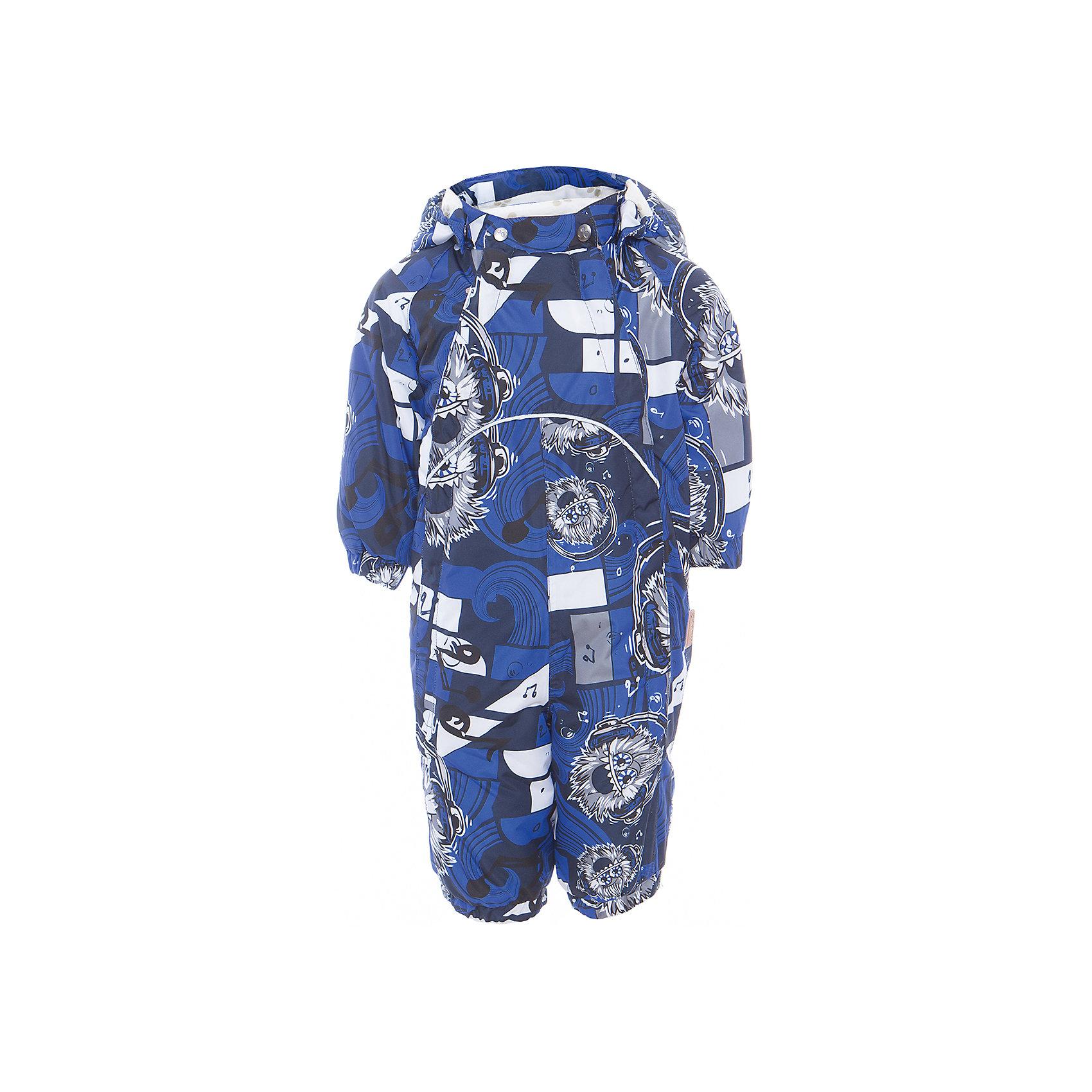 Комбинезон GOLDEN для мальчика HuppaВерхняя одежда<br>Характеристики товара:<br><br>• цвет: тёмно-синий принт<br>• ткань: 100% полиэстер<br>• подкладка: фланель - 100% хлопок<br>• утеплитель: 100% полиэстер 100 г<br>• температурный режим: от -5°С до +10°С<br>• водонепроницаемость: 10000 мм<br>• воздухопроницаемость: 10000 мм<br>• светоотражающие детали<br>• мягкая подкладка<br>• шов сидения и боковые швы проклеены<br>• съёмный капюшон с резинкой<br>• манжеты рукавов с резинкой<br>• манжеты с отворотом у размеров 62-80<br>• манжеты брюк с резинкой<br>• съёмные эластичные штрипки<br>• без внутренних швов<br>• коллекция: весна-лето 2017<br>• страна бренда: Эстония<br><br>Этот удобный комбинезон обеспечит детям тепло и комфорт. Он сделан из материала, отталкивающего воду, и дополнен подкладкой с утеплителем, поэтому изделие идеально подходит для межсезонья. Материал изделия - с мембранной технологией: защищая от влаги и ветра, он легко выводит лишнюю влагу наружу. Комбинезон очень симпатично смотрится. <br><br>Одежда и обувь от популярного эстонского бренда Huppa - отличный вариант одеть ребенка можно и комфортно. Вещи, выпускаемые компанией, качественные, продуманные и очень удобные. Для производства изделий используются только безопасные для детей материалы. Продукция от Huppa порадует и детей, и их родителей!<br><br>Комбинезон GOLDEN от бренда Huppa (Хуппа) можно купить в нашем интернет-магазине.<br><br>Ширина мм: 356<br>Глубина мм: 10<br>Высота мм: 245<br>Вес г: 519<br>Цвет: синий<br>Возраст от месяцев: 12<br>Возраст до месяцев: 18<br>Пол: Мужской<br>Возраст: Детский<br>Размер: 86,62,68,74,80<br>SKU: 5346470