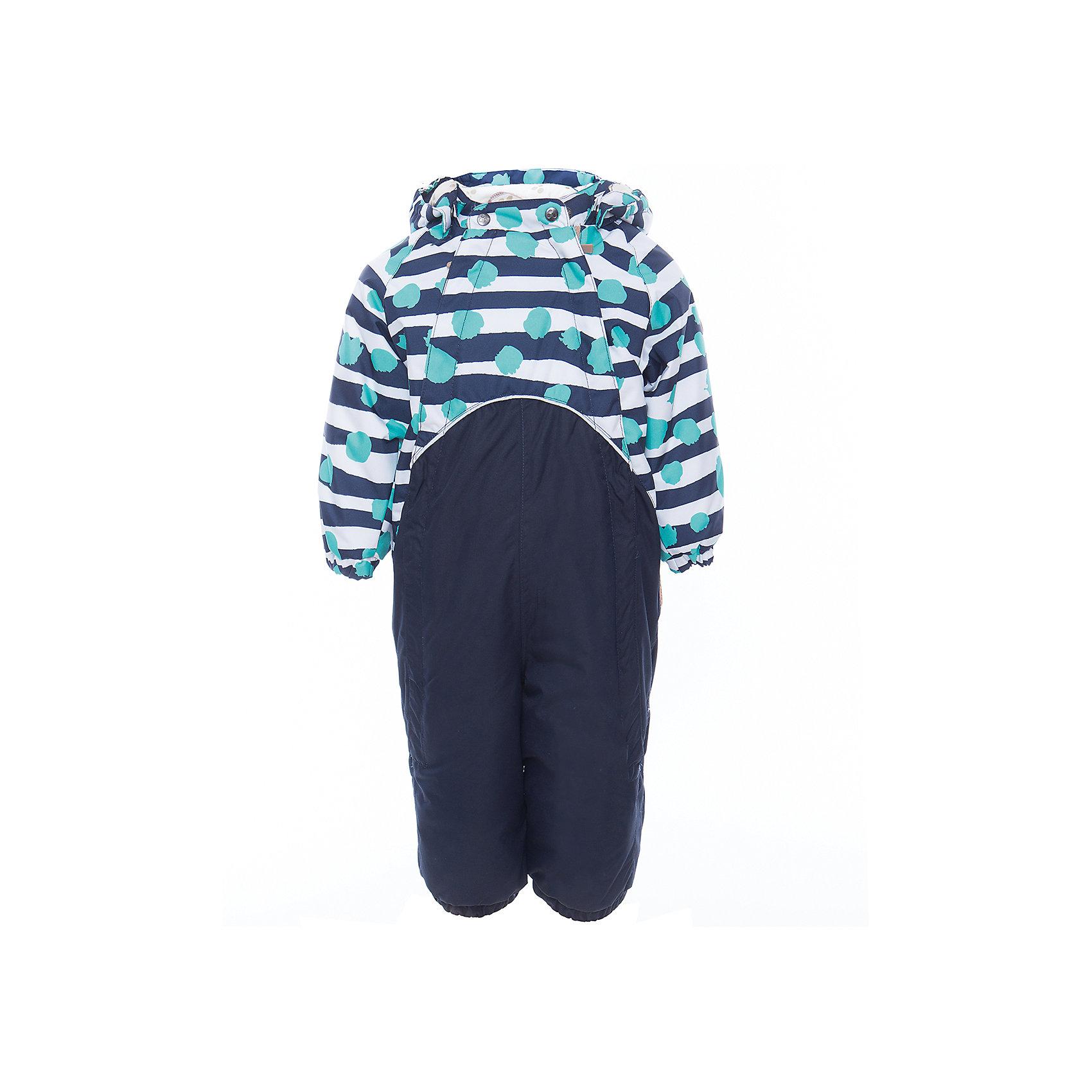 Комбинезон GOLDEN для мальчика HuppaВерхняя одежда<br>Характеристики товара:<br><br>• цвет: синий принт<br>• ткань: 100% полиэстер<br>• подкладка: фланель - 100% хлопок<br>• утеплитель: 100% полиэстер 100 г<br>• температурный режим: от -5°С до +10°С<br>• водонепроницаемость: 10000 мм<br>• воздухопроницаемость: 10000 мм<br>• светоотражающие детали<br>• мягкая подкладка<br>• шов сидения и боковые швы проклеены<br>• съёмный капюшон с резинкой<br>• манжеты рукавов с резинкой<br>• манжеты с отворотом у размеров 62-80<br>• манжеты брюк с резинкой<br>• съёмные эластичные штрипки<br>• без внутренних швов<br>• коллекция: весна-лето 2017<br>• страна бренда: Эстония<br><br>Этот удобный комбинезон обеспечит детям тепло и комфорт. Он сделан из материала, отталкивающего воду, и дополнен подкладкой с утеплителем, поэтому изделие идеально подходит для межсезонья. Материал изделия - с мембранной технологией: защищая от влаги и ветра, он легко выводит лишнюю влагу наружу. Комбинезон очень симпатично смотрится. <br><br>Одежда и обувь от популярного эстонского бренда Huppa - отличный вариант одеть ребенка можно и комфортно. Вещи, выпускаемые компанией, качественные, продуманные и очень удобные. Для производства изделий используются только безопасные для детей материалы. Продукция от Huppa порадует и детей, и их родителей!<br><br>Комбинезон GOLDEN от бренда Huppa (Хуппа) можно купить в нашем интернет-магазине.<br><br>Ширина мм: 356<br>Глубина мм: 10<br>Высота мм: 245<br>Вес г: 519<br>Цвет: синий<br>Возраст от месяцев: 24<br>Возраст до месяцев: 36<br>Пол: Мужской<br>Возраст: Детский<br>Размер: 98,80,86,92,74<br>SKU: 5346500