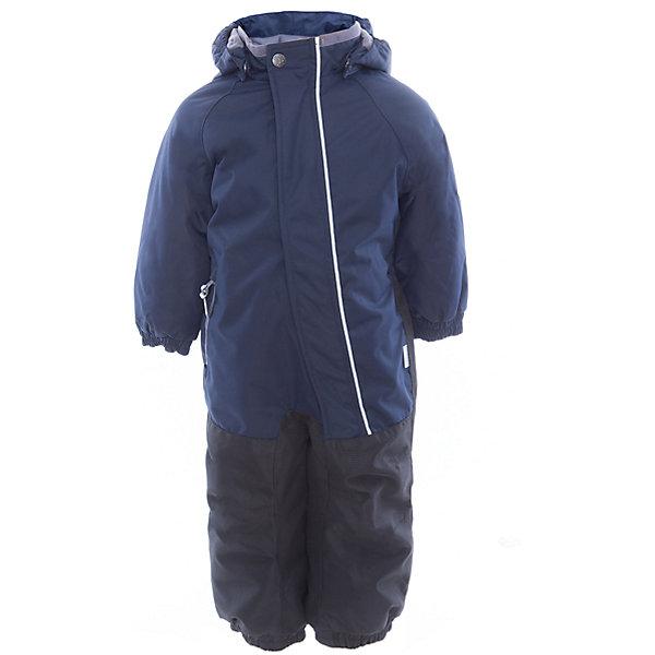 Комбинезон CHRIS для мальчика HuppaВерхняя одежда<br>Характеристики товара:<br><br>• цвет: тёмно-синий<br>• ткань: 100% полиэстер<br>• подкладка: тафта, pritex - 100% полиэстер<br>• утеплитель: 100% полиэстер 100 г<br>• температурный режим: от -5°С до +10°С<br>• водонепроницаемость: 10000 мм<br>• воздухопроницаемость: 10000 мм<br>• светоотражающие детали<br>• средний задний шов, боковые и внутренние швы проклеены<br>• съёмный капюшон с резинкой<br>• защита подбородка<br>• эластичные манжеты<br>• манжеты брюк с резинкой<br>• съёмные эластичные штрипки<br>• без внутренних швов<br>• коллекция: весна-лето 2017<br>• страна бренда: Эстония<br><br>Этот удобный комбинезон обеспечит детям тепло и комфорт. Он сделан из материала, отталкивающего воду, и дополнен подкладкой с утеплителем, поэтому изделие идеально подходит для межсезонья. Материал изделия - с мембранной технологией: защищая от влаги и ветра, он легко выводит лишнюю влагу наружу. Комбинезон очень симпатично смотрится. <br><br>Одежда и обувь от популярного эстонского бренда Huppa - отличный вариант одеть ребенка можно и комфортно. Вещи, выпускаемые компанией, качественные, продуманные и очень удобные. Для производства изделий используются только безопасные для детей материалы. Продукция от Huppa порадует и детей, и их родителей!<br><br>Комбинезон GOLDEN от бренда Huppa (Хуппа) можно купить в нашем интернет-магазине.<br><br>Ширина мм: 356<br>Глубина мм: 10<br>Высота мм: 245<br>Вес г: 519<br>Цвет: синий<br>Возраст от месяцев: 12<br>Возраст до месяцев: 15<br>Пол: Мужской<br>Возраст: Детский<br>Размер: 80,104,98,92,86<br>SKU: 5346530