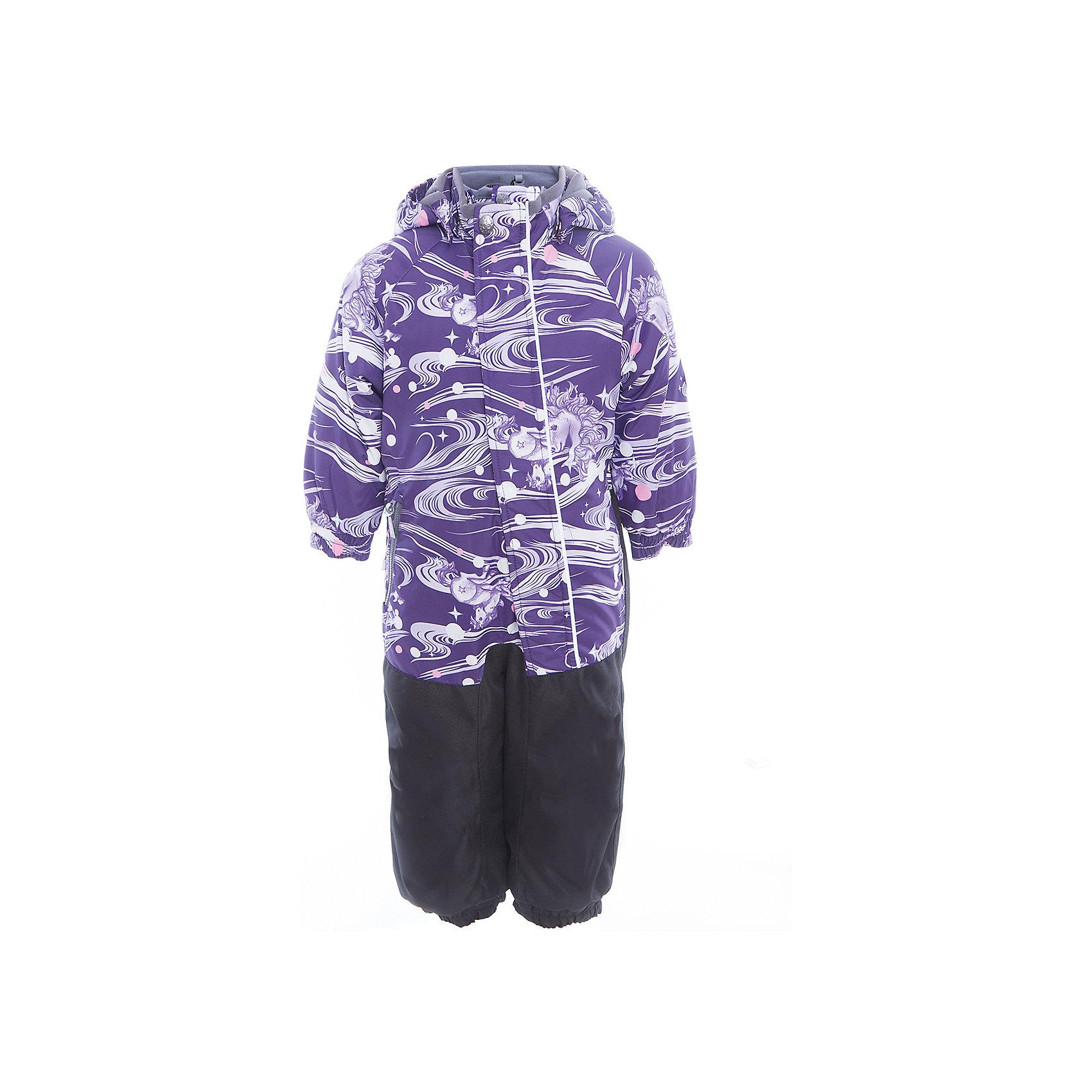 Комбинезон CHRIS для девочки HuppaВерхняя одежда<br>Характеристики товара:<br><br>• цвет: фиолетовый принт<br>• ткань: 100% полиэстер<br>• подкладка: тафта, pritex - 100% полиэстер<br>• утеплитель: 100% полиэстер 100 г<br>• температурный режим: от -5°С до +10°С<br>• водонепроницаемость: верх - 5000 мм, низ - 10000 мм<br>• воздухопроницаемость: верх - 5000 мм, низ - 10000 мм<br>• светоотражающие детали<br>• средний задний шов, боковые и внутренние швы проклеены<br>• съёмный капюшон с резинкой<br>• защита подбородка<br>• эластичные манжеты<br>• манжеты брюк с резинкой<br>• съёмные эластичные штрипки<br>• без внутренних швов<br>• коллекция: весна-лето 2017<br>• страна бренда: Эстония<br><br>Этот удобный комбинезон обеспечит детям тепло и комфорт. Он сделан из материала, отталкивающего воду, и дополнен подкладкой с утеплителем, поэтому изделие идеально подходит для межсезонья. Материал изделия - с мембранной технологией: защищая от влаги и ветра, он легко выводит лишнюю влагу наружу. Комбинезон очень симпатично смотрится. <br><br>Одежда и обувь от популярного эстонского бренда Huppa - отличный вариант одеть ребенка можно и комфортно. Вещи, выпускаемые компанией, качественные, продуманные и очень удобные. Для производства изделий используются только безопасные для детей материалы. Продукция от Huppa порадует и детей, и их родителей!<br><br>Комбинезон GOLDEN от бренда Huppa (Хуппа) можно купить в нашем интернет-магазине.<br><br>Ширина мм: 356<br>Глубина мм: 10<br>Высота мм: 245<br>Вес г: 519<br>Цвет: розовый<br>Возраст от месяцев: 12<br>Возраст до месяцев: 18<br>Пол: Женский<br>Возраст: Детский<br>Размер: 86,92,98,104,80<br>SKU: 5346536