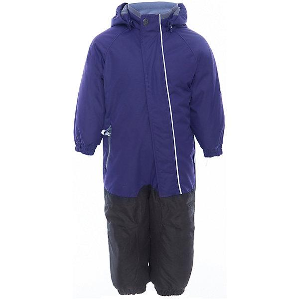 Комбинезон CHRIS для мальчика HuppaВерхняя одежда<br>Характеристики товара:<br><br>• цвет: тёмно-синий<br>• ткань: 100% полиэстер<br>• подкладка: тафта, pritex - 100% полиэстер<br>• утеплитель: 100% полиэстер 100 г<br>• температурный режим: от -5°С до +10°С<br>• водонепроницаемость: 10000 мм<br>• воздухопроницаемость: 10000 мм<br>• светоотражающие детали<br>• средний задний шов, боковые и внутренние швы проклеены<br>• съёмный капюшон с резинкой<br>• защита подбородка<br>• эластичные манжеты<br>• манжеты брюк с резинкой<br>• съёмные эластичные штрипки<br>• без внутренних швов<br>• коллекция: весна-лето 2017<br>• страна бренда: Эстония<br><br>Этот удобный комбинезон обеспечит детям тепло и комфорт. Он сделан из материала, отталкивающего воду, и дополнен подкладкой с утеплителем, поэтому изделие идеально подходит для межсезонья. Материал изделия - с мембранной технологией: защищая от влаги и ветра, он легко выводит лишнюю влагу наружу. Комбинезон очень симпатично смотрится. <br><br>Одежда и обувь от популярного эстонского бренда Huppa - отличный вариант одеть ребенка можно и комфортно. Вещи, выпускаемые компанией, качественные, продуманные и очень удобные. Для производства изделий используются только безопасные для детей материалы. Продукция от Huppa порадует и детей, и их родителей!<br><br>Комбинезон GOLDEN от бренда Huppa (Хуппа) можно купить в нашем интернет-магазине.<br><br>Ширина мм: 356<br>Глубина мм: 10<br>Высота мм: 245<br>Вес г: 519<br>Цвет: синий<br>Возраст от месяцев: 48<br>Возраст до месяцев: 60<br>Пол: Мужской<br>Возраст: Детский<br>Размер: 110,122,116<br>SKU: 5346548